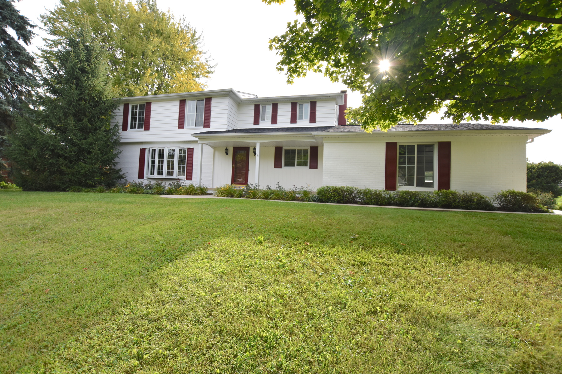 Single Family Homes for Sale at Bloomfield Township 2275 Park Ridge Drive Bloomfield Township, Michigan 48304 United States