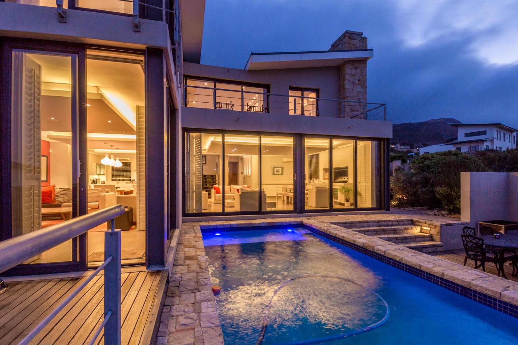 独户住宅 为 销售 在 Piketberg Way 开普敦, 西开普省, 7945 南非