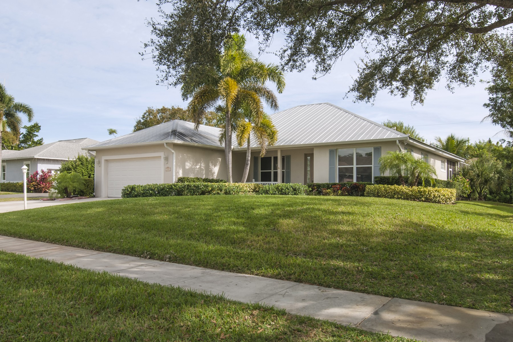 Single Family Home for Sale at Fabulous Four Bedroom Pool Home 530 46th Court Vero Beach, Florida 32968 United States