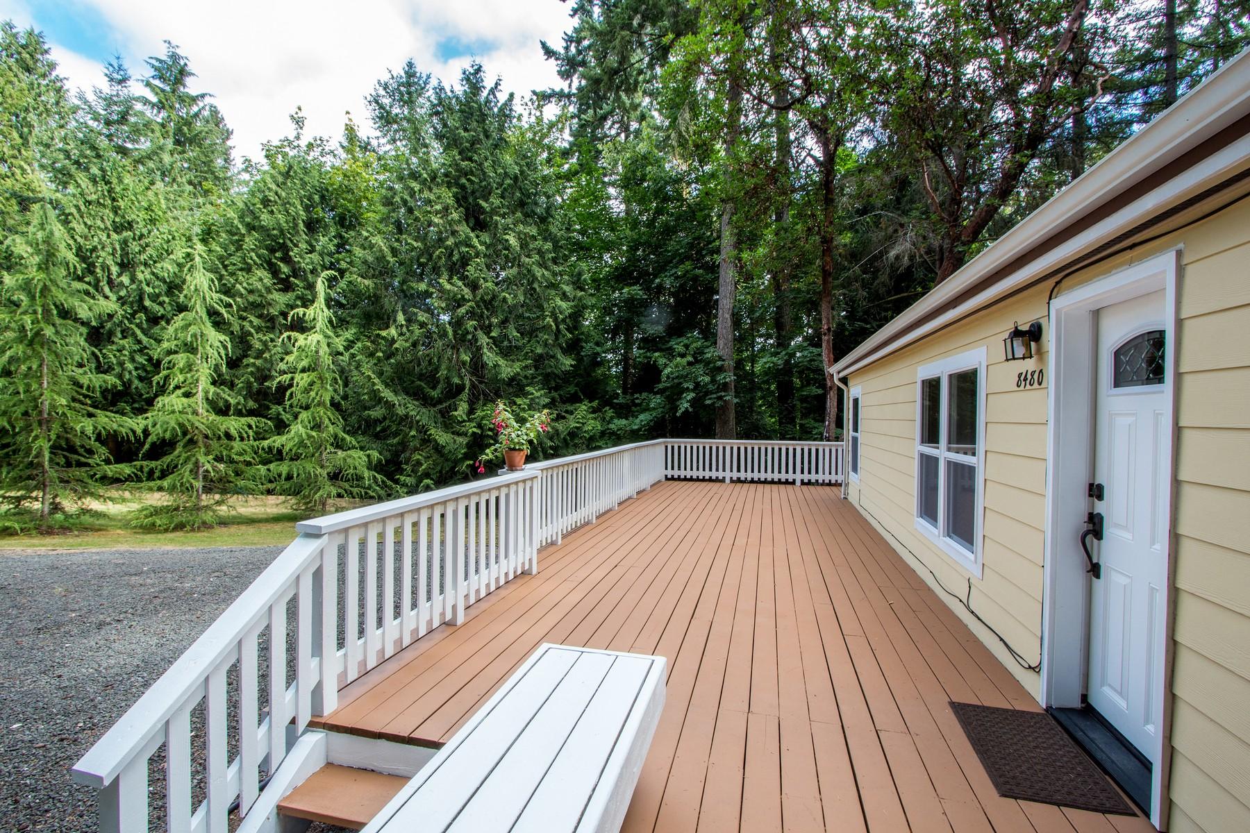 Otras residenciales por un Venta en Affordable Gem in Fletcher Bay 8480 NE Hansen Rd Bainbridge Island, Washington 98110 Estados Unidos