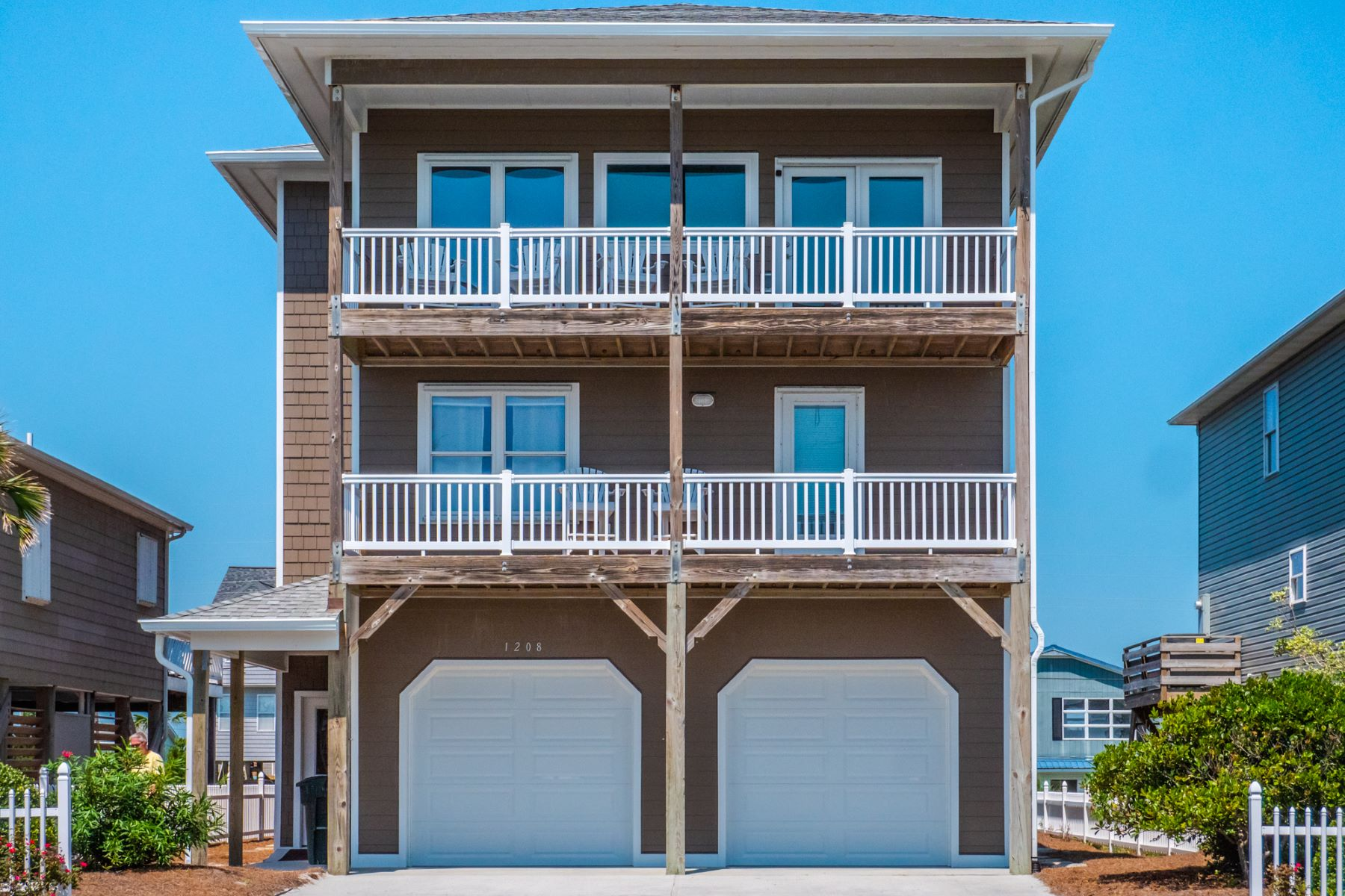 Single Family Homes for Active at Recently Renovated Beach Home! 1208 Ocean Boulevard Topsail Beach, North Carolina 28445 United States