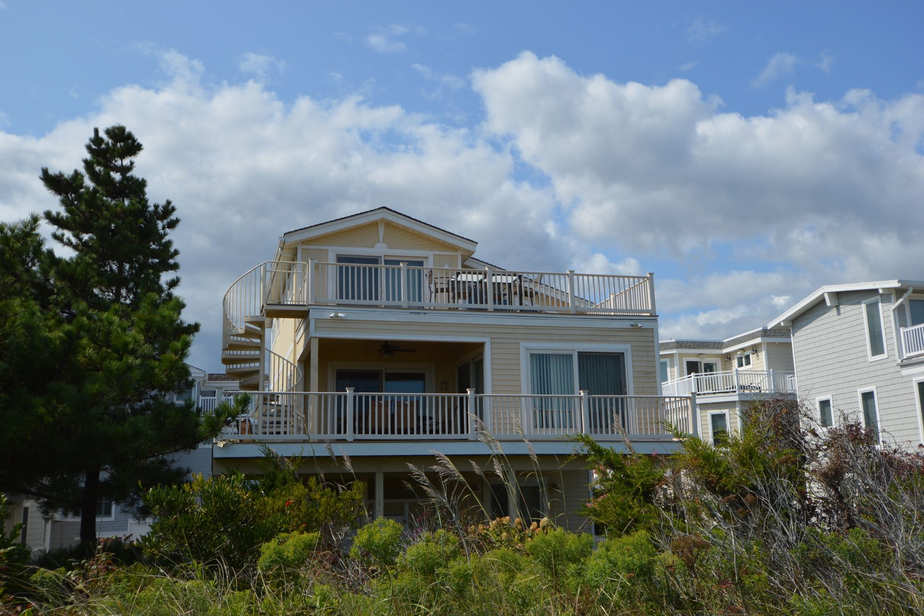 Single Family Home for Rent at Avalon, New Jersey 08202 United States