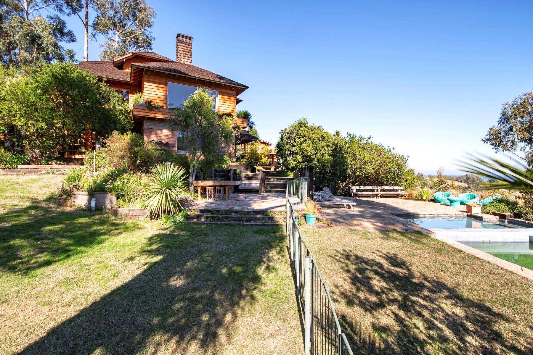 Single Family Homes for Sale at Magnificent House in Cachagua La Ligua, Valparaiso Chile