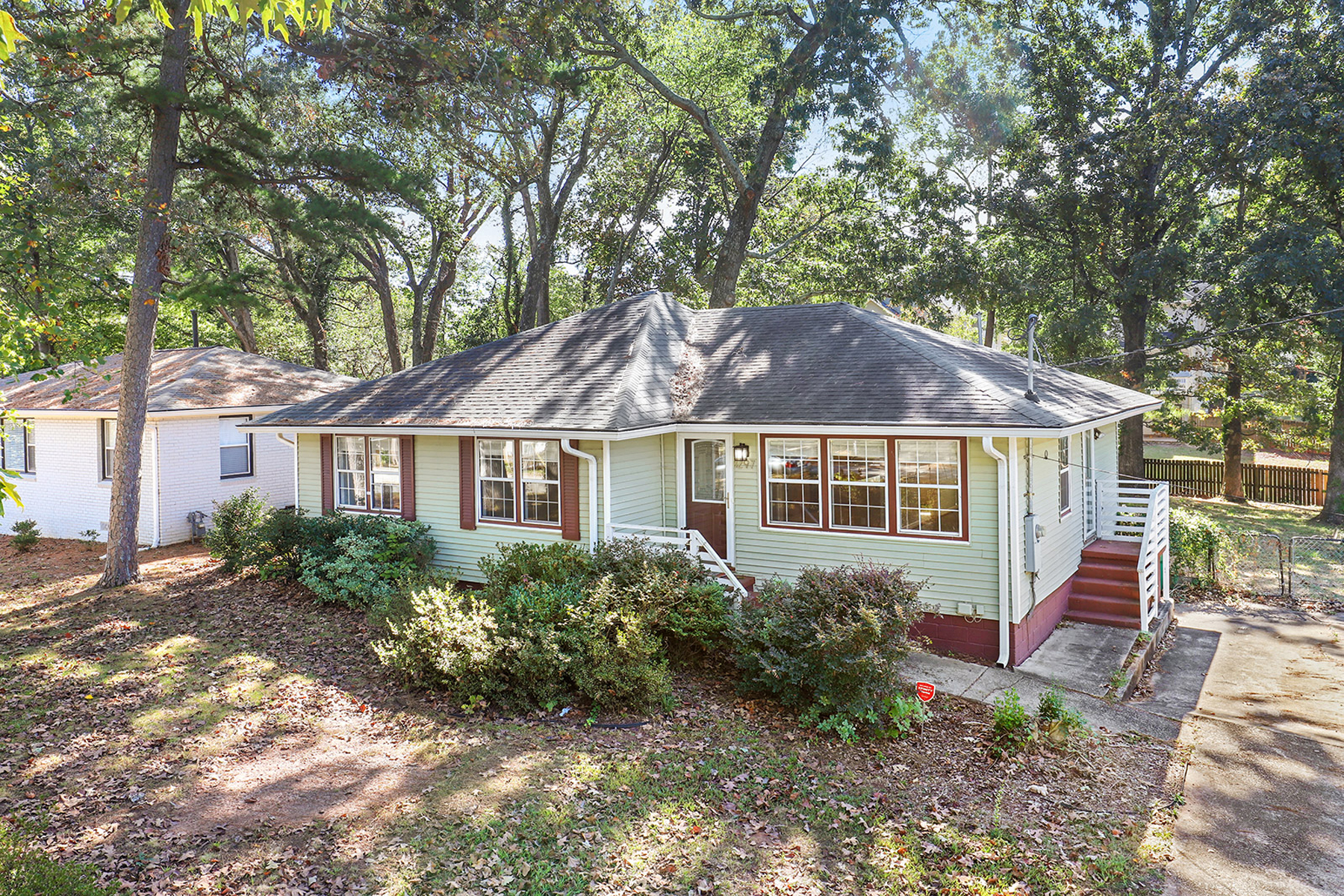 Single Family Homes por un Venta en Moments to East Atlanta Village 1297 Diamond Avenue SE, Atlanta, Georgia 30316 Estados Unidos
