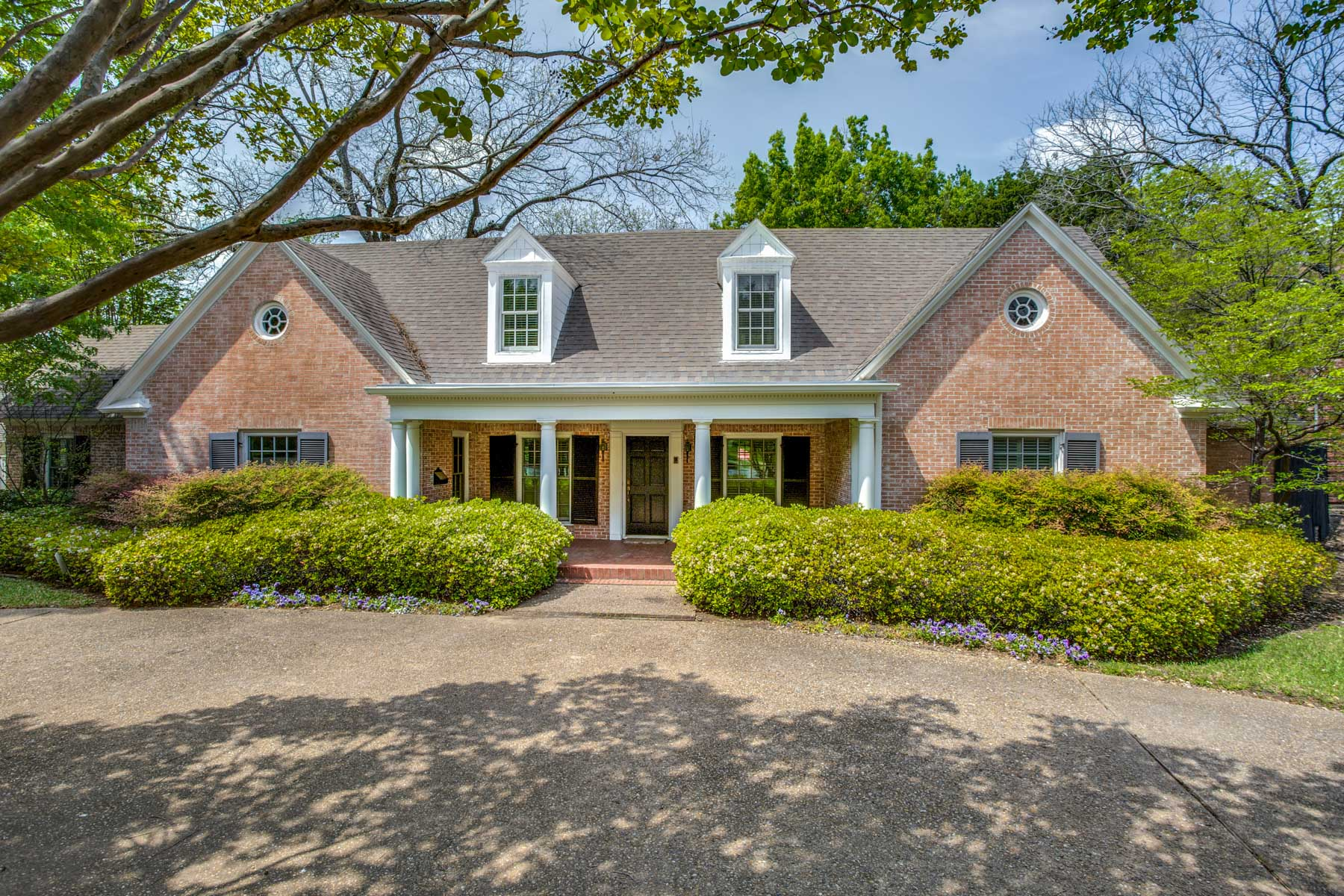 Single Family Home for Sale at Exceptional Opportunity on Bluffview's Horseshoe Trail 5150 Horseshoe Trail, Dallas, Texas, 75209 United States