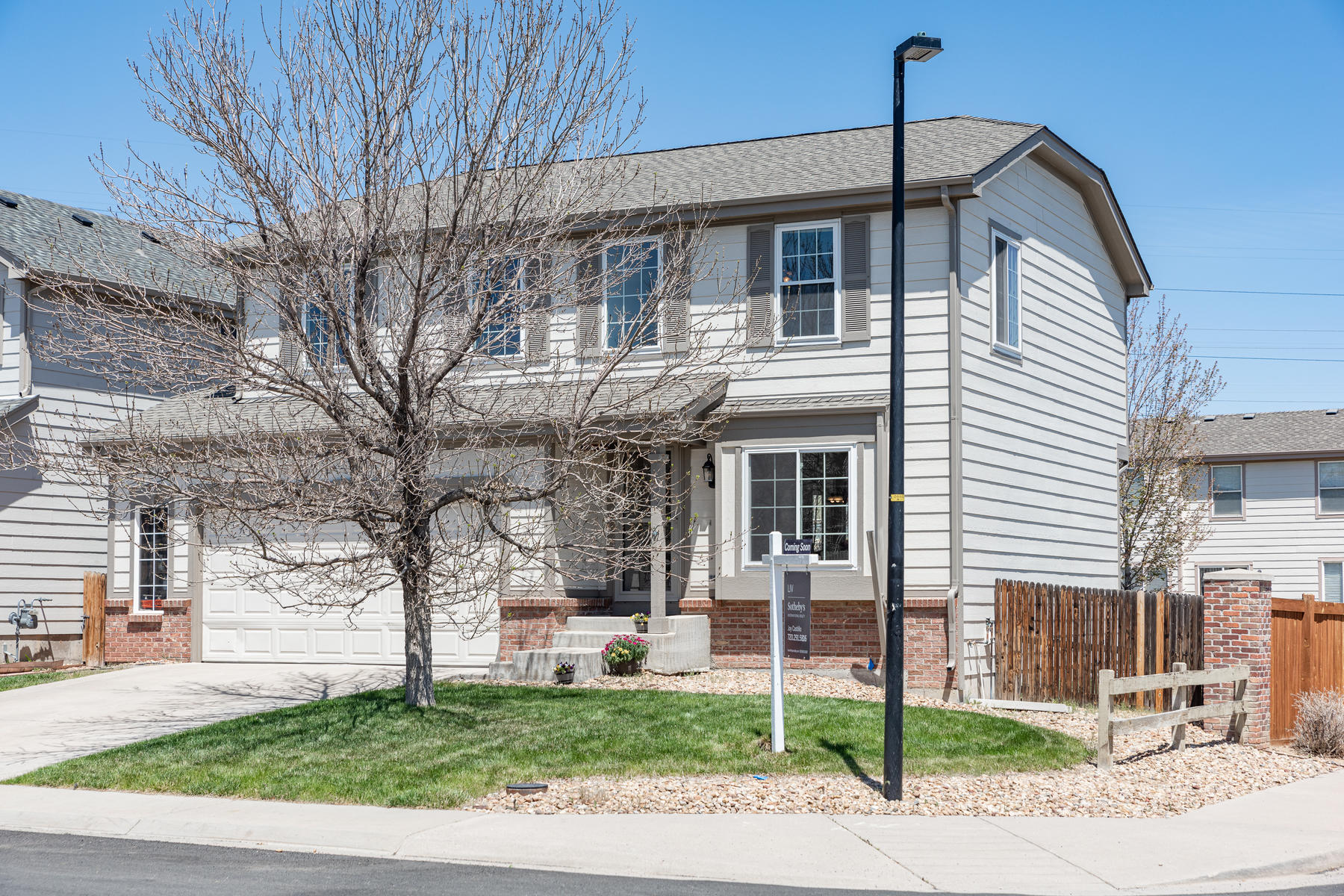 Single Family Homes for Sale at Absolutely Perfect, Well-Maintained Two Story in Willow Trace 20399 E Union Drive, Aurora, Colorado 80015 United States
