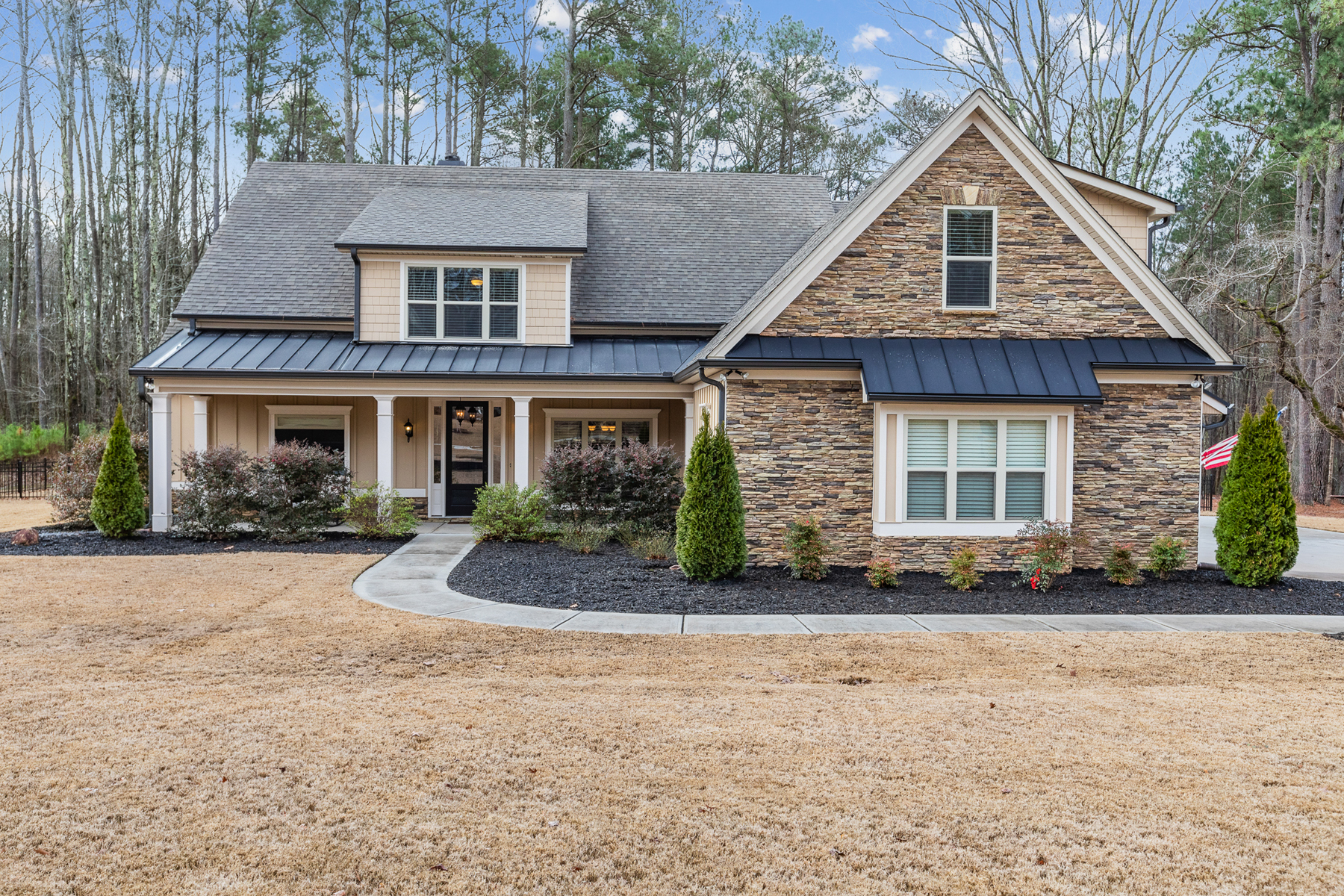 Single Family Homes for Active at Immaculate, Move-in Ready Northwynn Home with Master on Main 184 Northwynn Drive Sharpsburg, Georgia 30277 United States