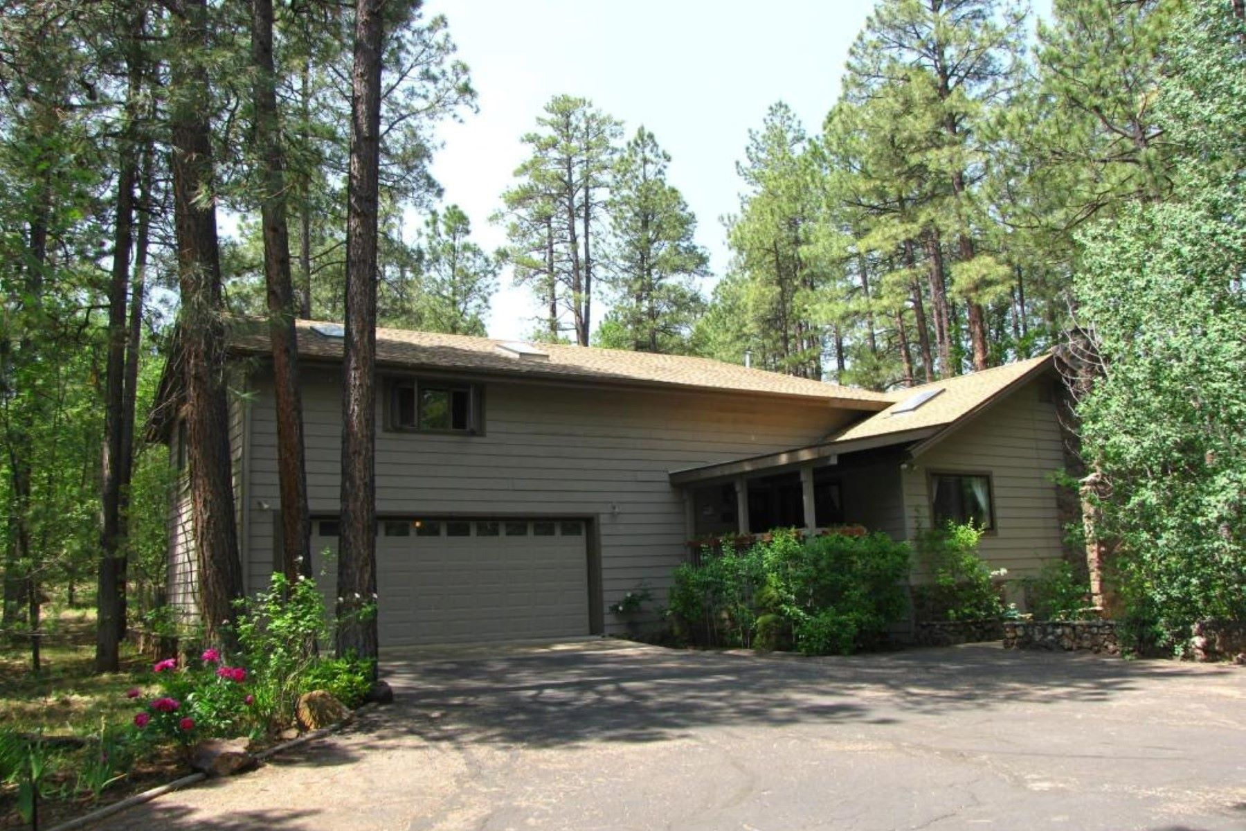 Single Family Home for Sale at Great Pinetop Home 3087 ASPEN LOOP, Pinetop, Arizona, 85935 United States