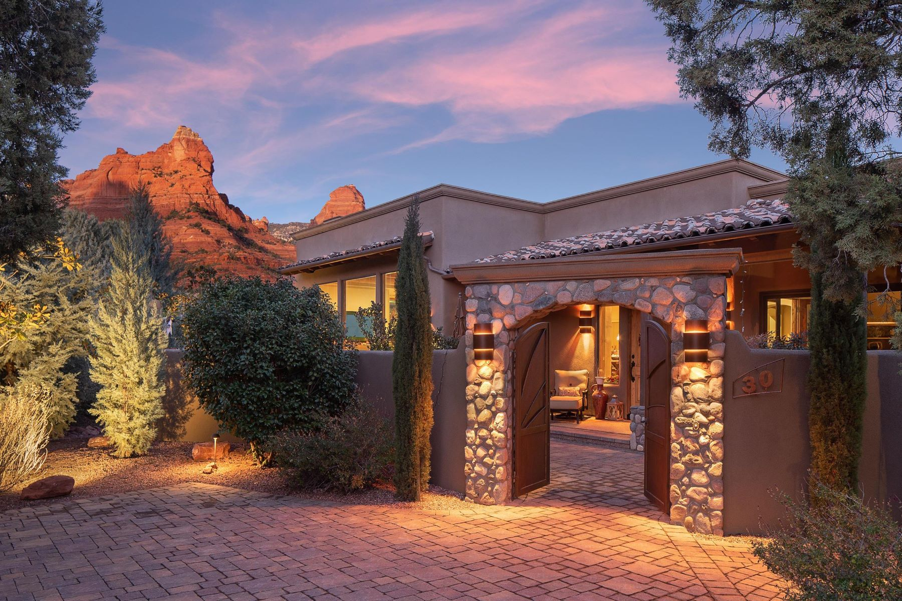 Single Family Homes por un Venta en 30 Canyon Shadows Drive Sedona, Arizona 86336 Estados Unidos