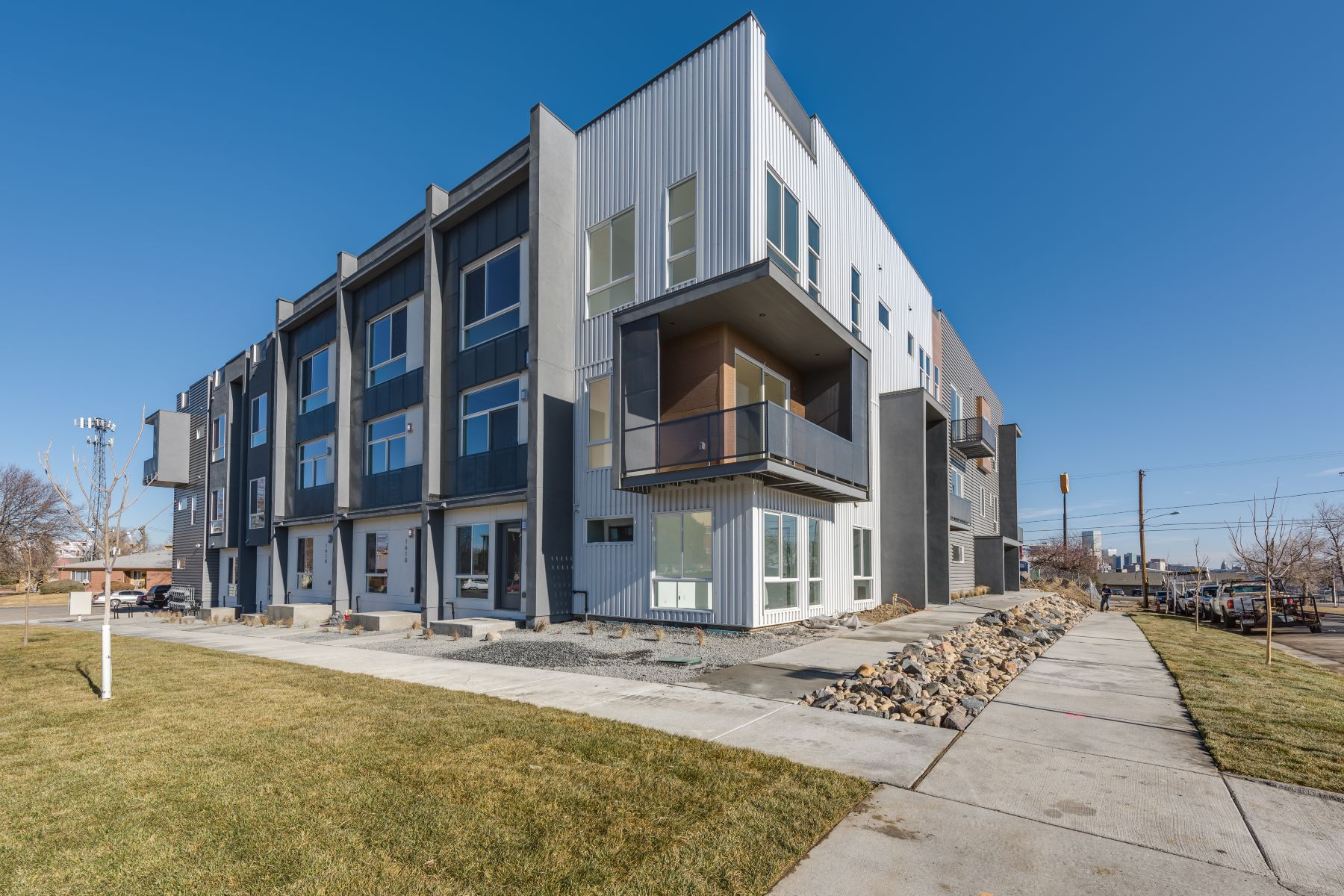 Townhouse for Active at 3079 West 16th Avenue 3079 W 16th Ave Denver, Colorado 80204 United States