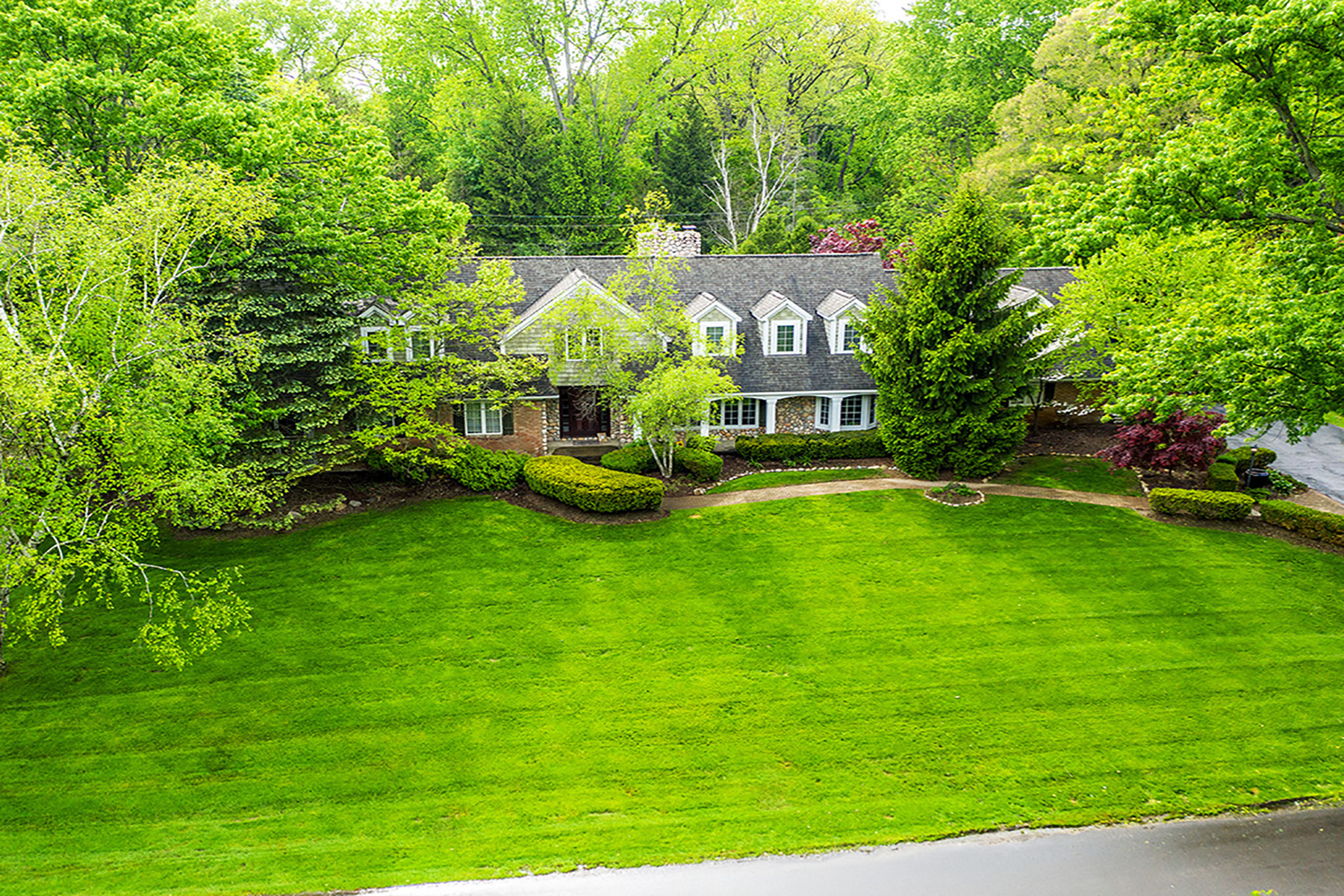 Single Family Homes for Active at Franklin Village 30745 Cheviot Hills Franklin, Michigan 48025 United States