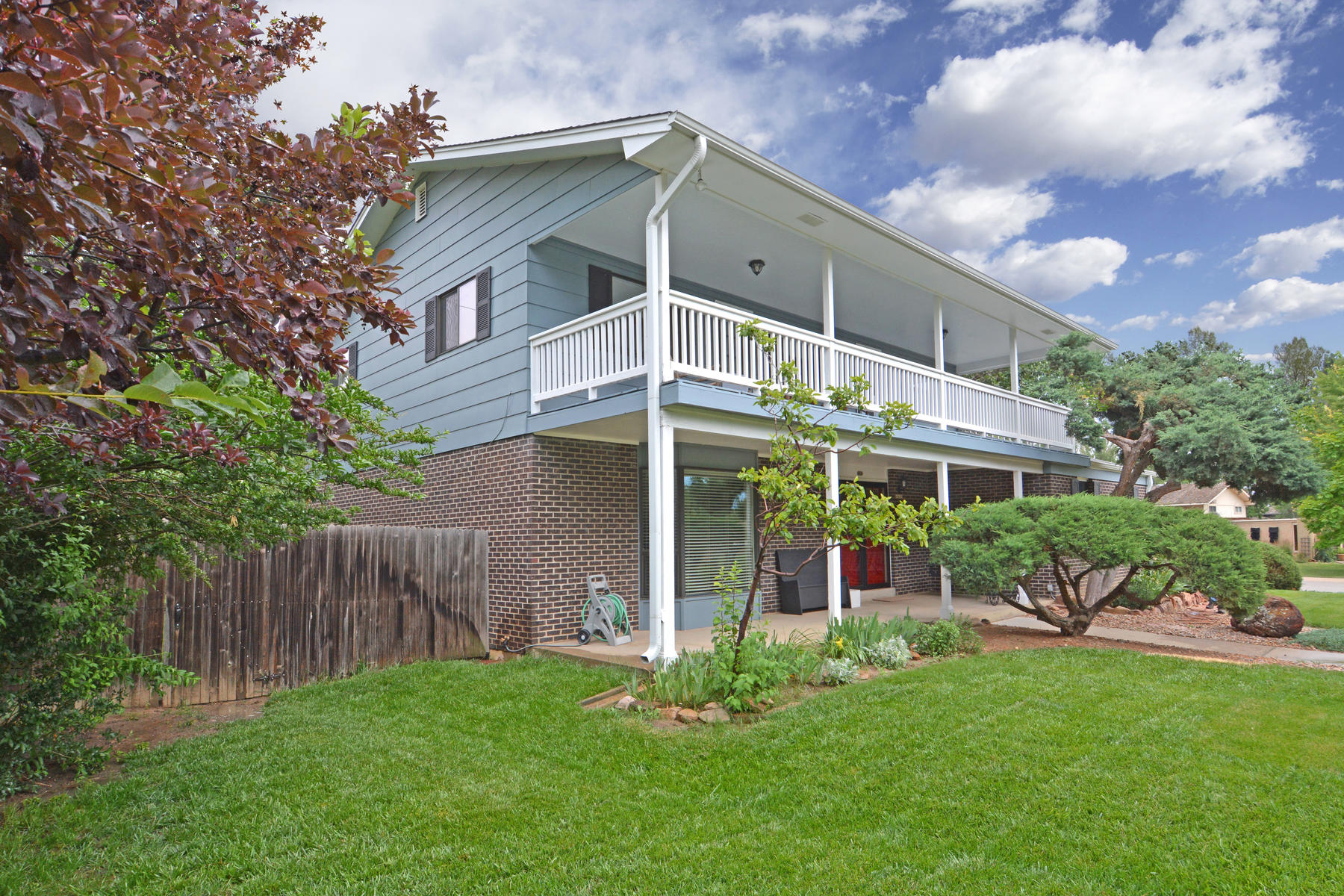 Single Family Home for Active at Beaufully Maintained Two-story 4628 Tanglewood Trl Boulder, Colorado 80301 United States