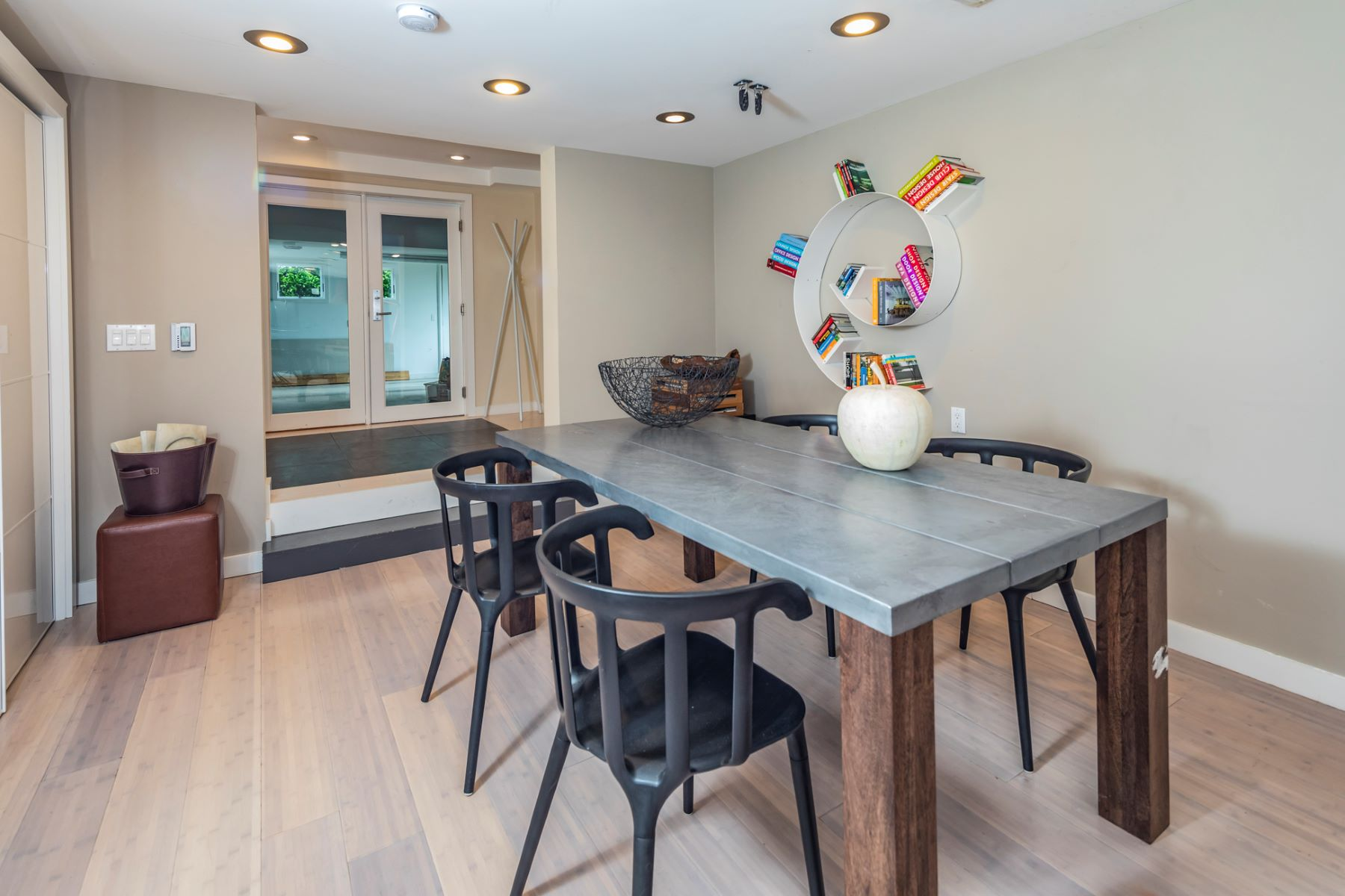 Additional photo for property listing at A Sleek Western Section Mid-Century Modern Home 138 Westcott Road, Princeton, New Jersey 08540 United States