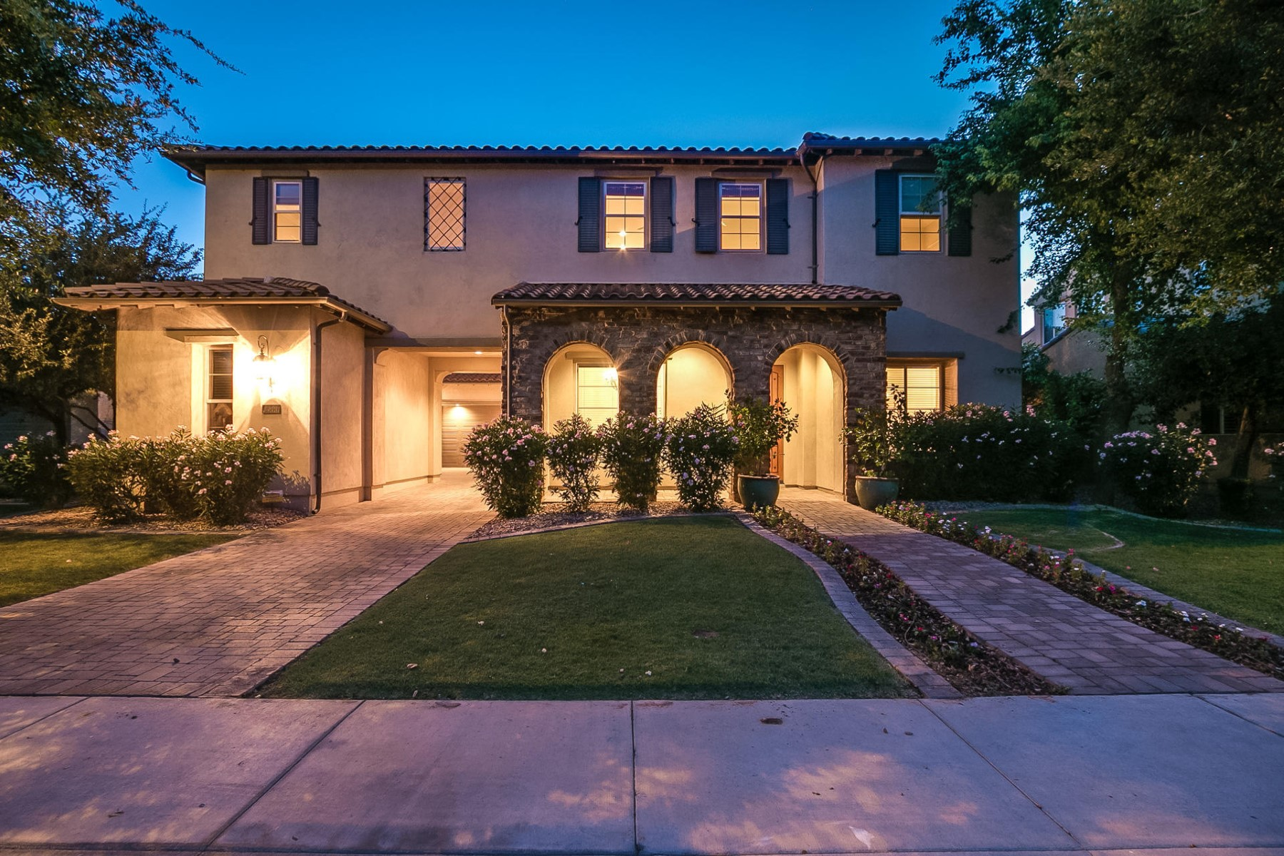Single Family Home for Sale at Ocotillo waterfront residence in Windward Chandler 4360 S Rosemary Pl Chandler, Arizona 85248 United States