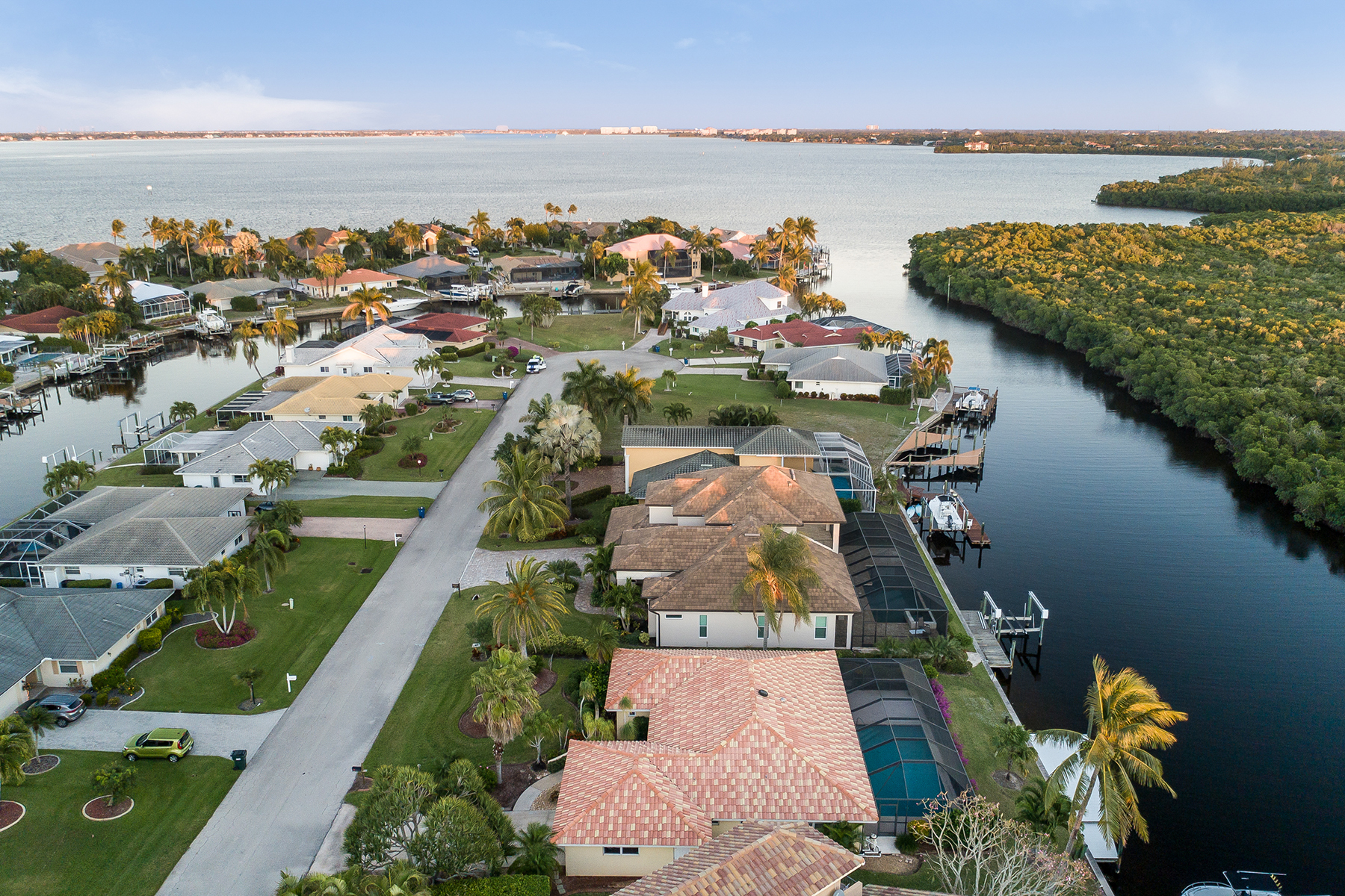 Single Family Homes for Active at FORT MYERS 14741 Eden St Fort Myers, Florida 33908 United States