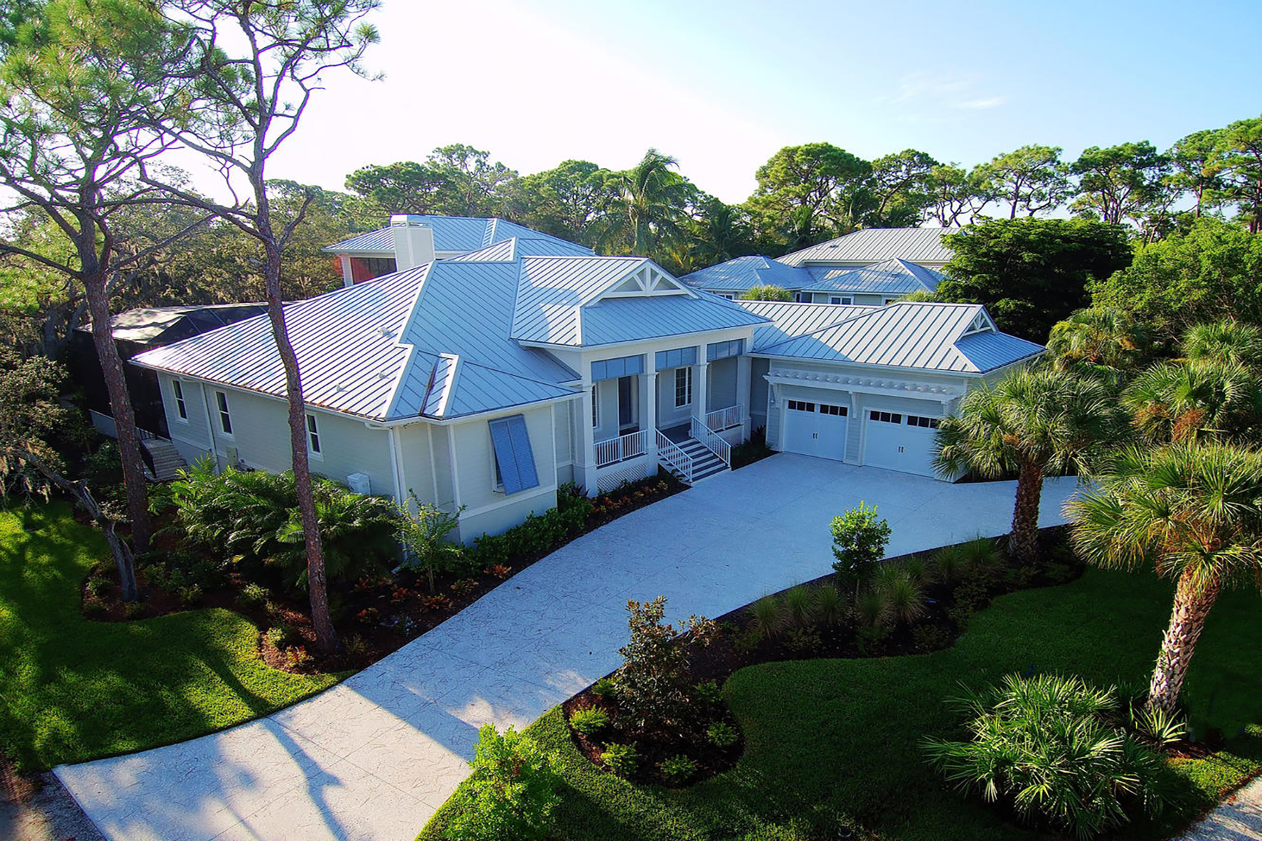Single Family Homes for Sale at EAGLE POINT CLUB 722 Eagle Point Dr Venice, Florida 34285 United States