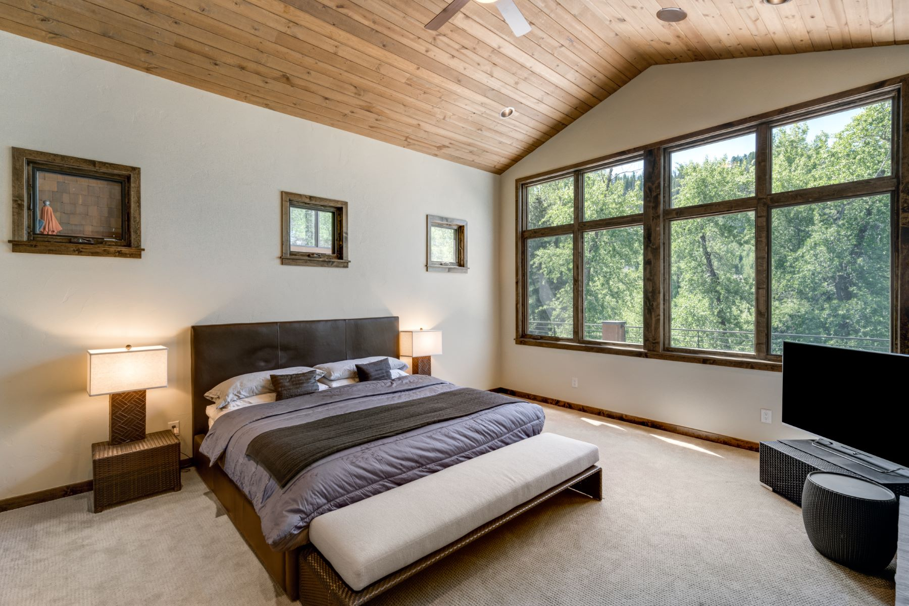Additional photo for property listing at Sanctuary on the Creek 2745 Whitewater Lane Steamboat Springs, Colorado 80487 United States
