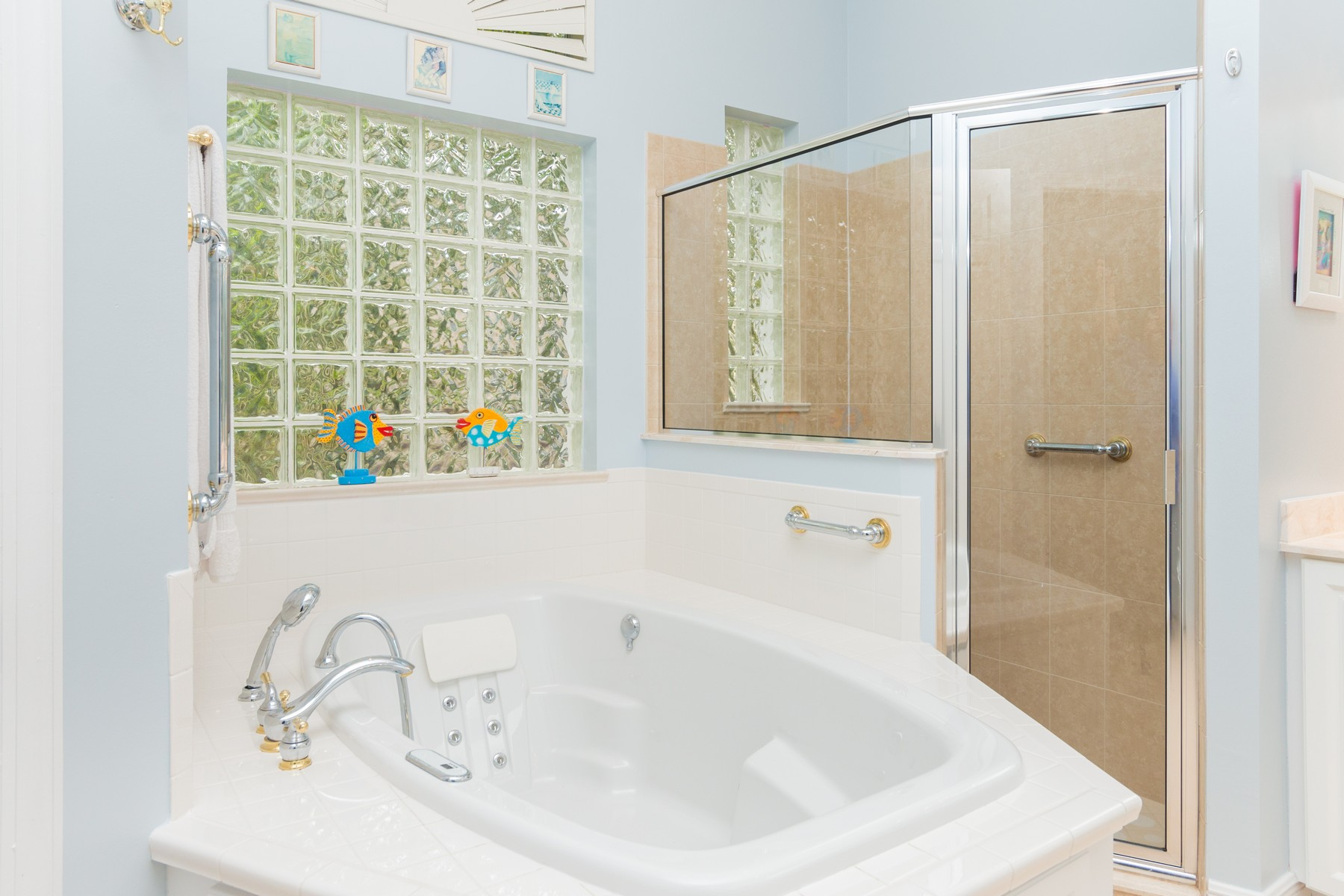 Additional photo for property listing at Pristine Picture Perfect Home in Island Club 1233 W Island Club Square Vero Beach, Florida 32963 United States