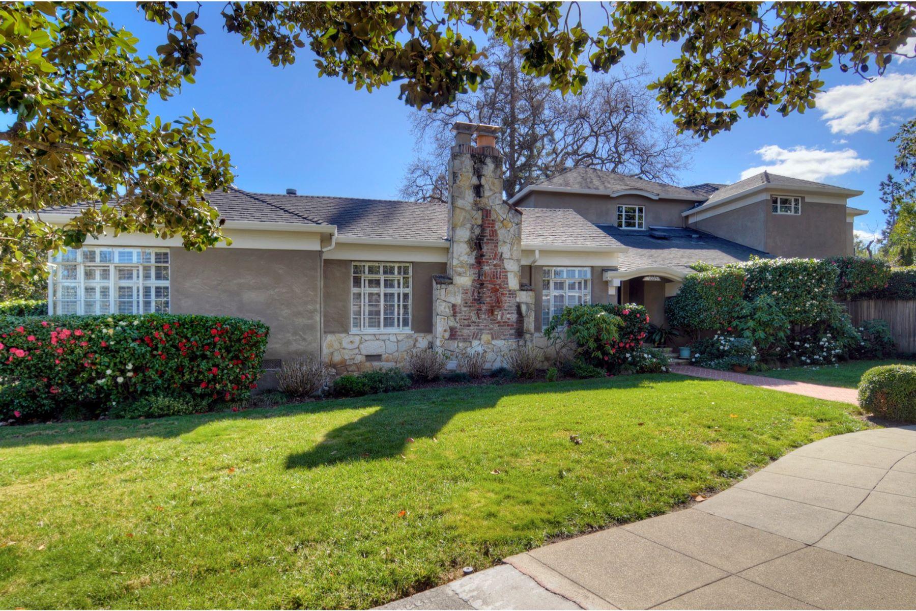 獨棟家庭住宅 為 出售 在 Edgewood Park Neighborhood 1003 Blandford Boulevard Redwood City, 加利福尼亞州 94062 美國
