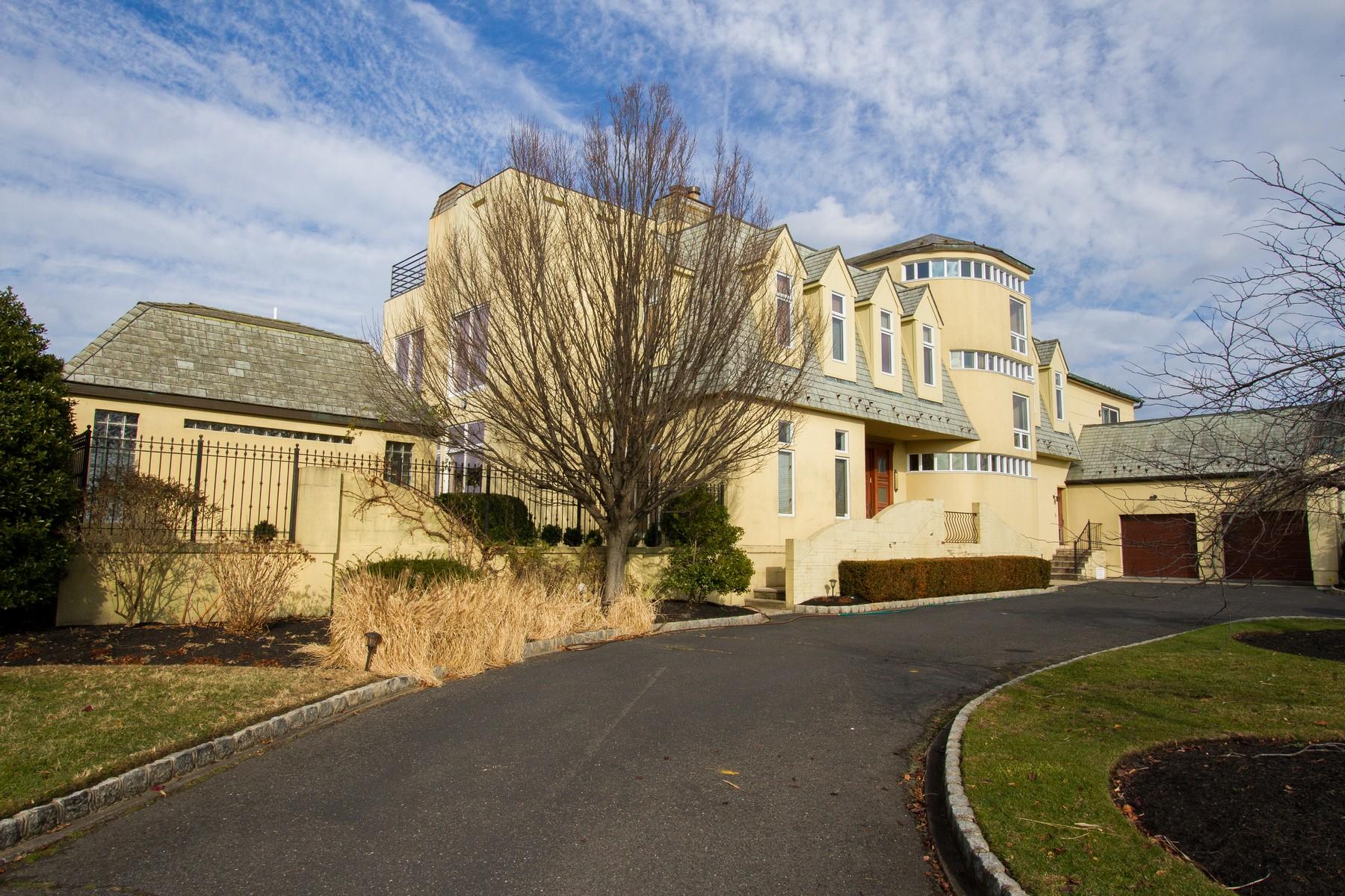 独户住宅 为 销售 在 Every Home is a Masterpiece 35 Highland Avenue 蒙莫斯郡, 新泽西州 07750 美国