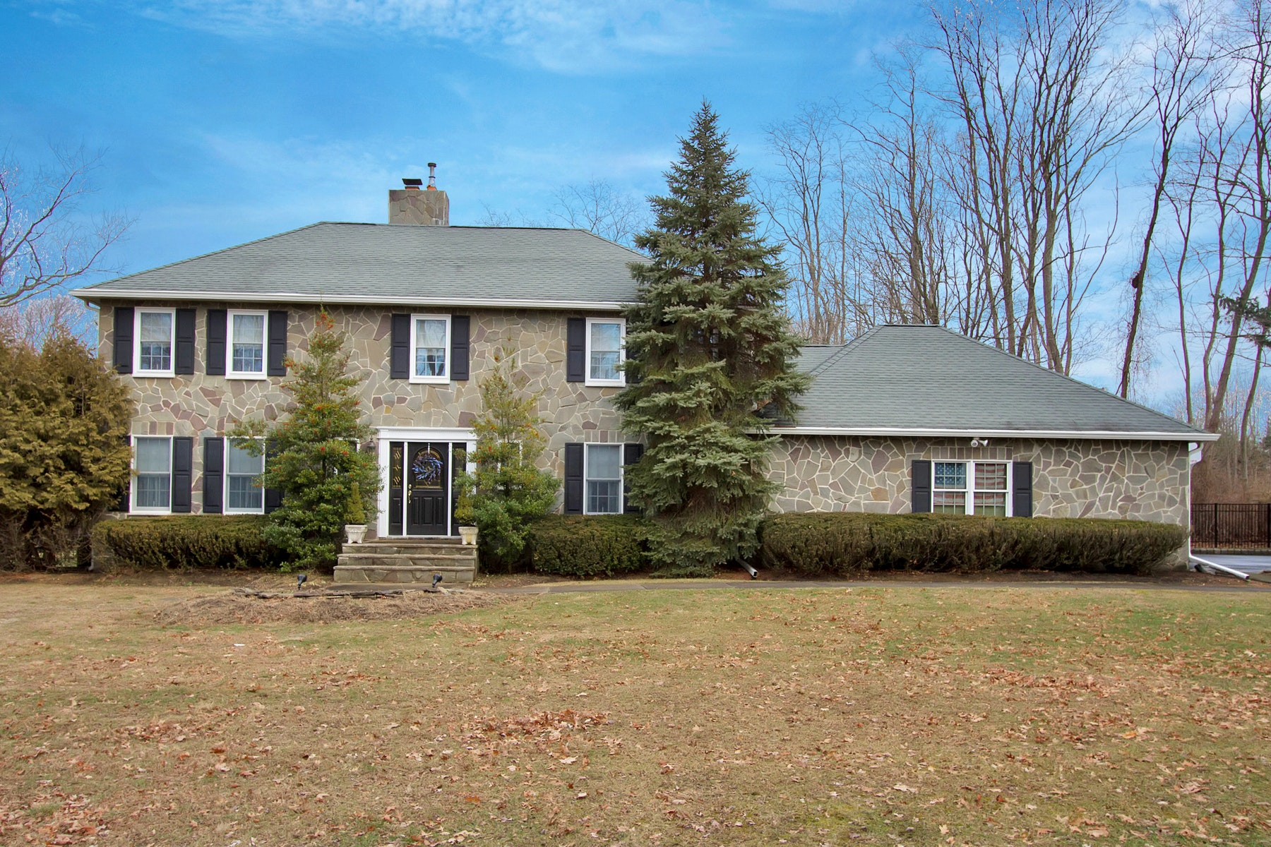واحد منزل الأسرة للـ Sale في LIVE Traditional 7 Farmgate Drive, Colts Neck, New Jersey, 07722 United States