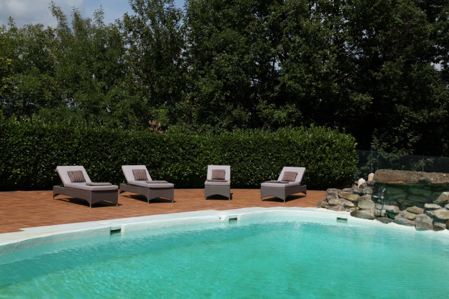 Additional photo for property listing at Country retreat with pool on the Langhe hills Cortemilia Cuneo, Cuneo 12074 Italy