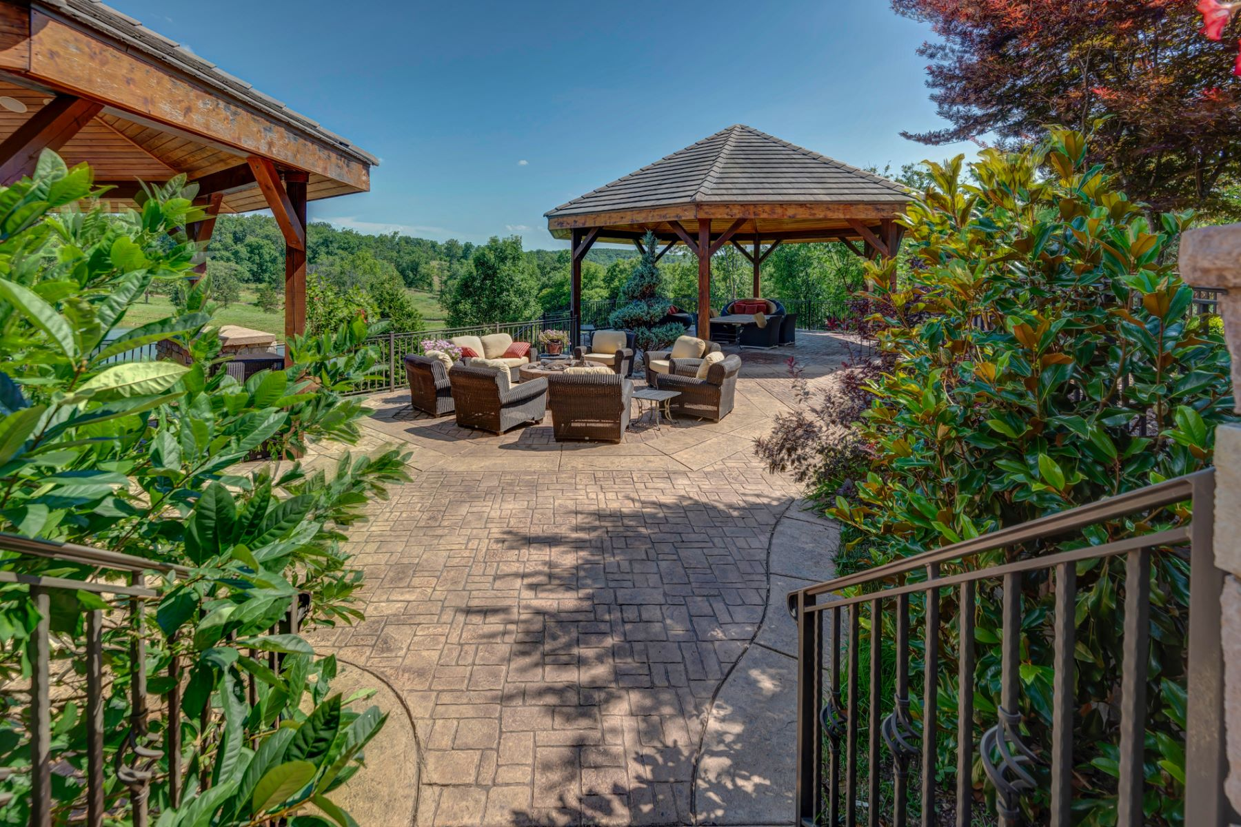 Additional photo for property listing at Horse Power Ranch  Brumley, Missouri 65017 United States