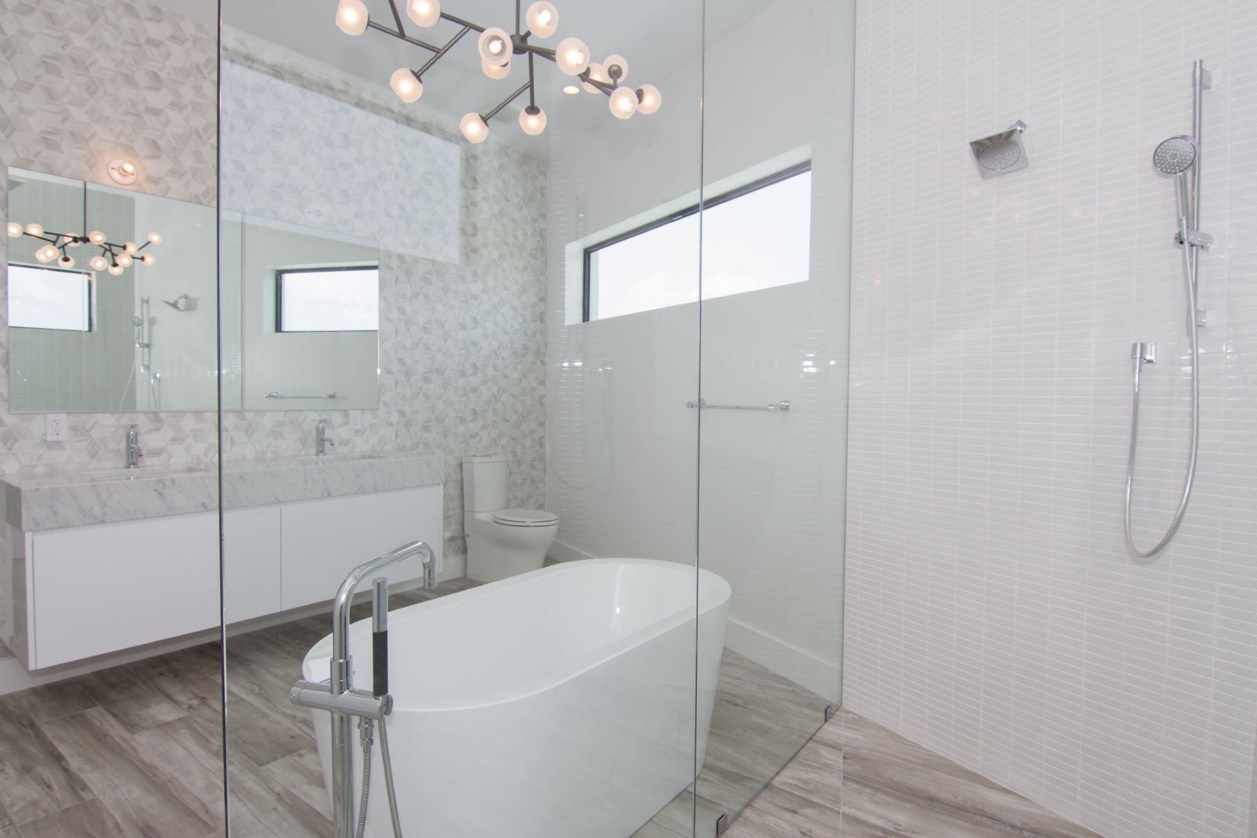 Additional photo for property listing at HQ, Hoya Quay Contemporary Crystal Harbour Home Crystal Harbour,  Cayman Islands