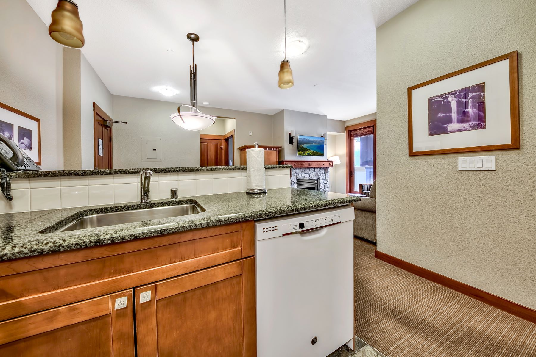 Additional photo for property listing at 1880 Village South Road Unit# 3-233 City Olympic Valley 1880 Village South Road #3-233 Olympic Valley, California 96146 United States