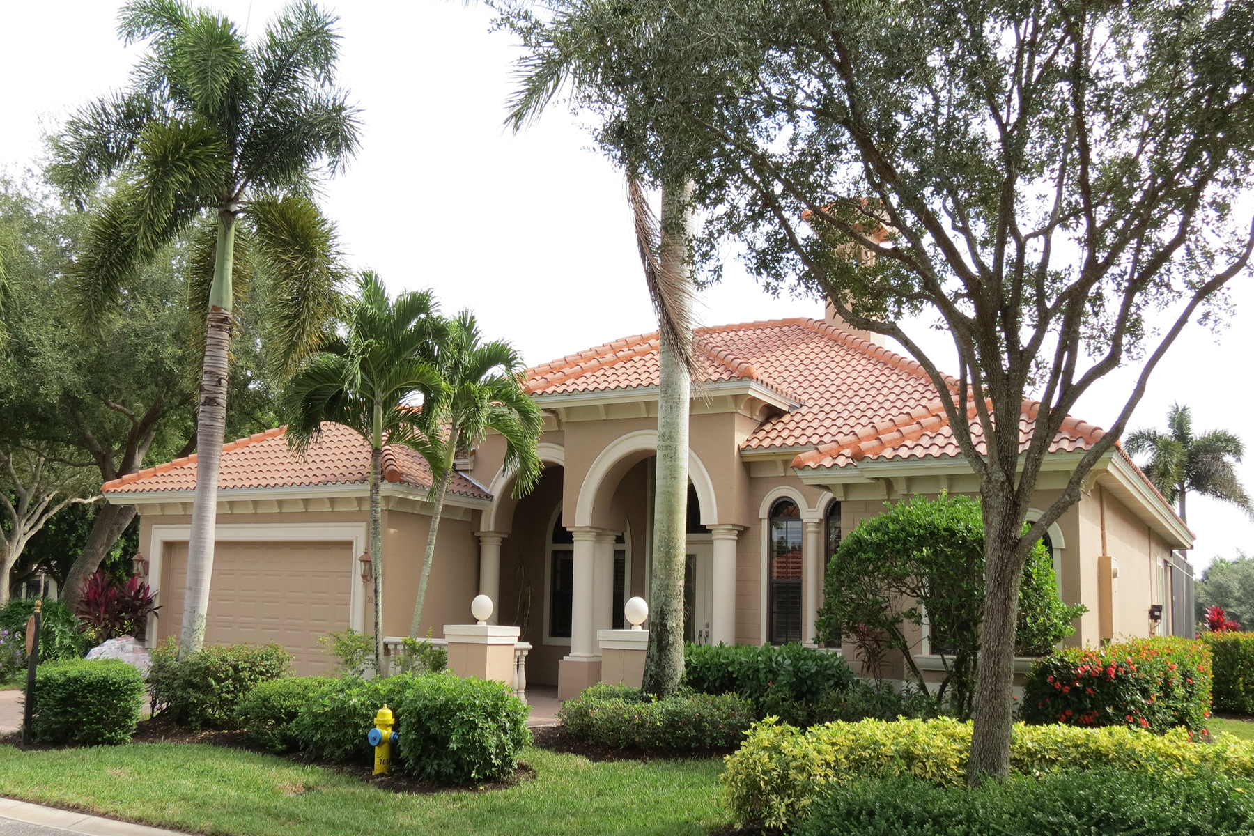 Single Family Homes for Sale at PALMIRA GOLF AND COUNTRY CLUB - Villa Tuscany 28497 Azzili Way Bonita Springs, Florida 34135 United States