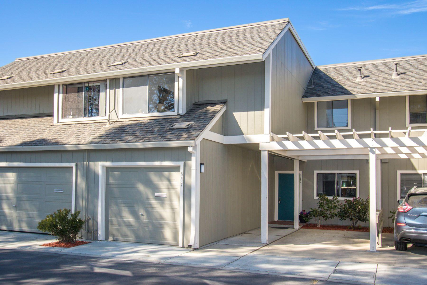townhouses para Venda às Beautiful Isle Cove Townhome 887 Ursa Lane, Foster City, Califórnia 94404 Estados Unidos