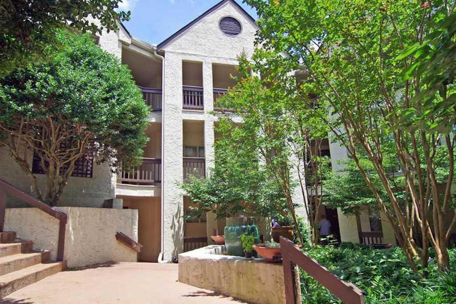 Condominium for Sale at Great Decatur Condo next to Emory, the CDC and close to Decatur Square 477 Sherman Way Decatur, Georgia 30033 United States