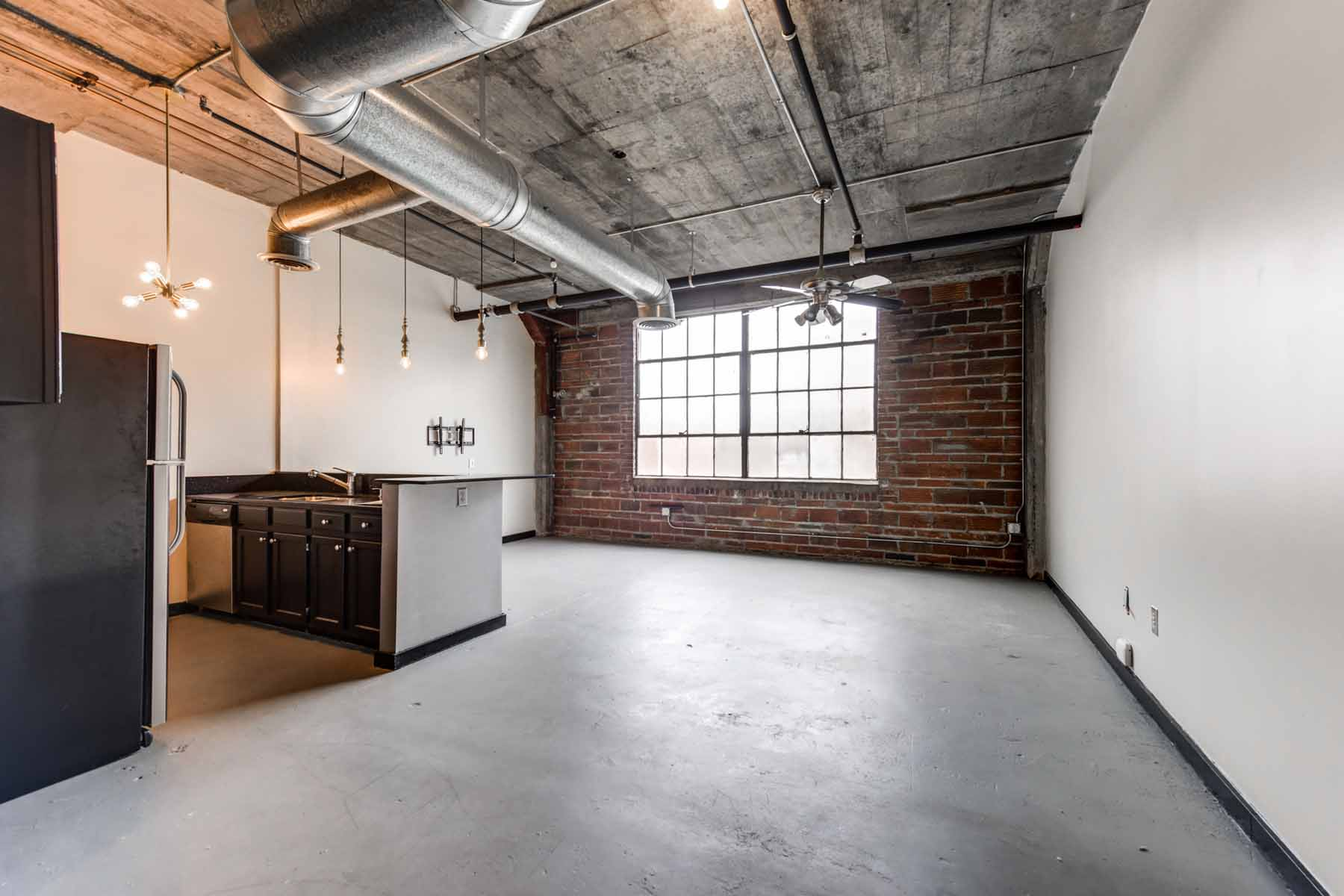 Single Family Home for Rent at Cool Loft in Castleberry Hill!! 172 Haynes Street SW Atlanta, Georgia 30313 United States