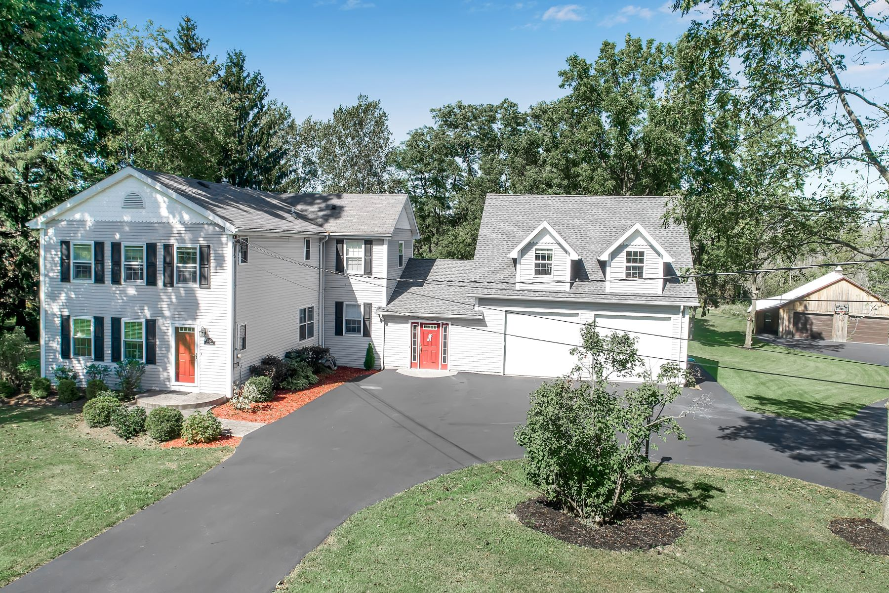 Single Family Homes for Active at Farmhouse in Orchard Park 5342 Armor Duells Road Orchard Park, New York 14127 United States