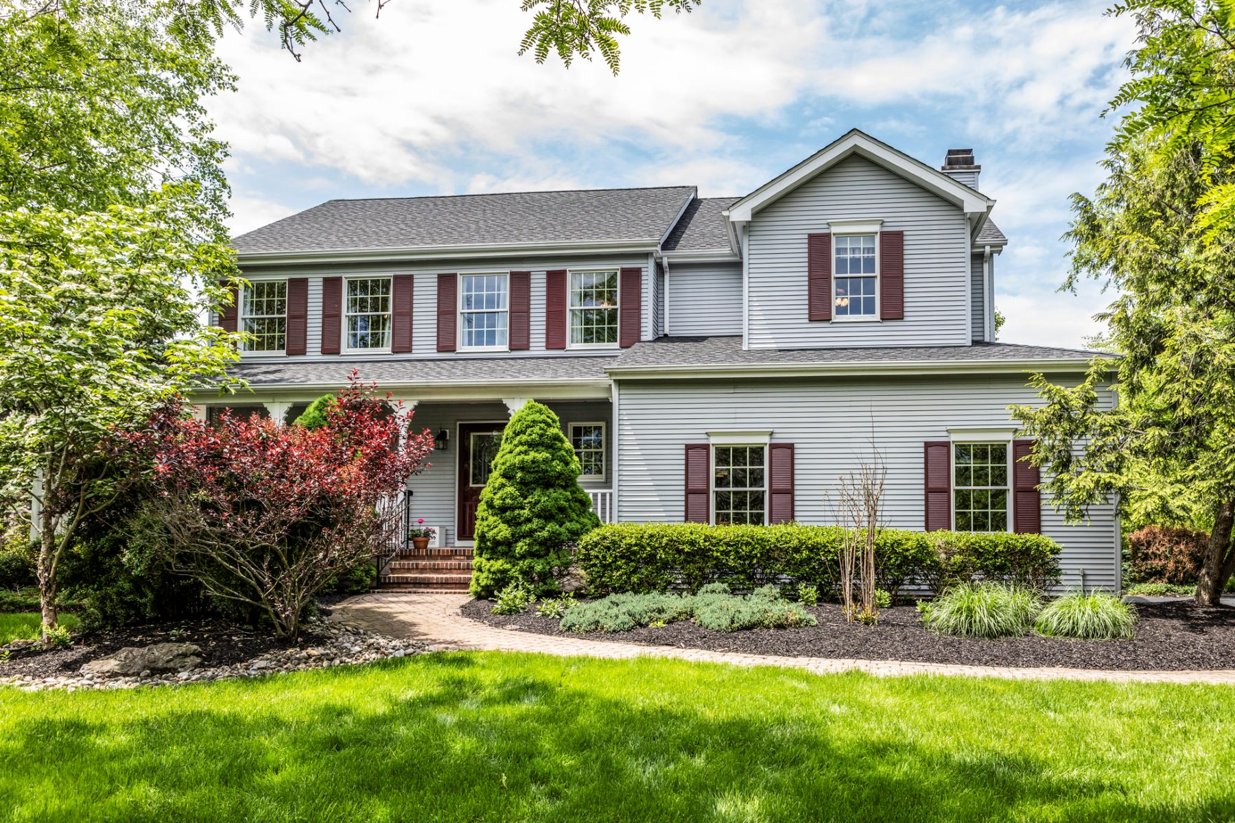 Single Family Homes voor Verkoop op It's All About Lifestyle Here 6 Red Oak Way, Belle Mead, New Jersey 08502 Verenigde Staten