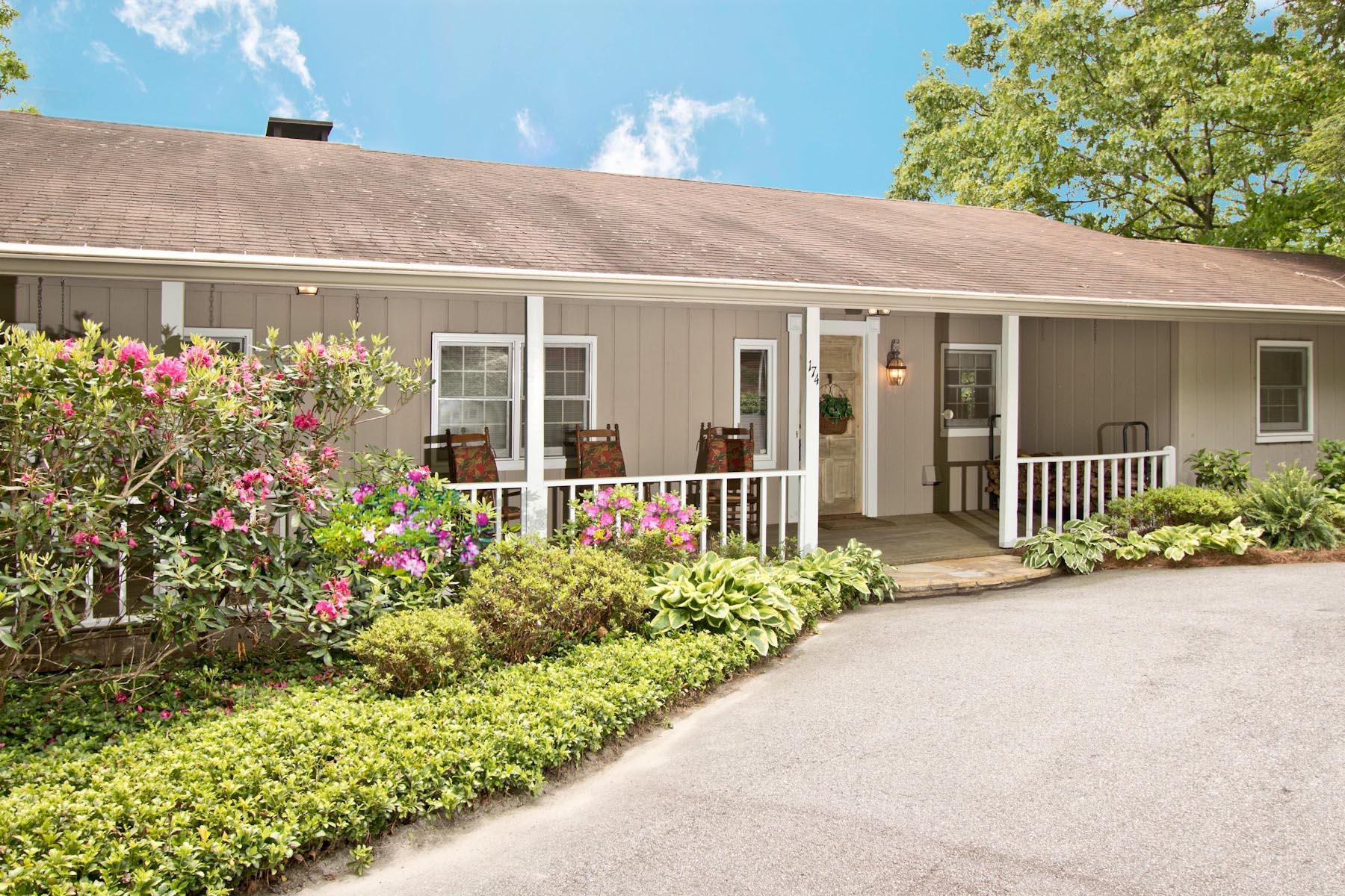 Single Family Home for Sale at 174 Zermatt Circle Highlands, North Carolina, 28741 United States