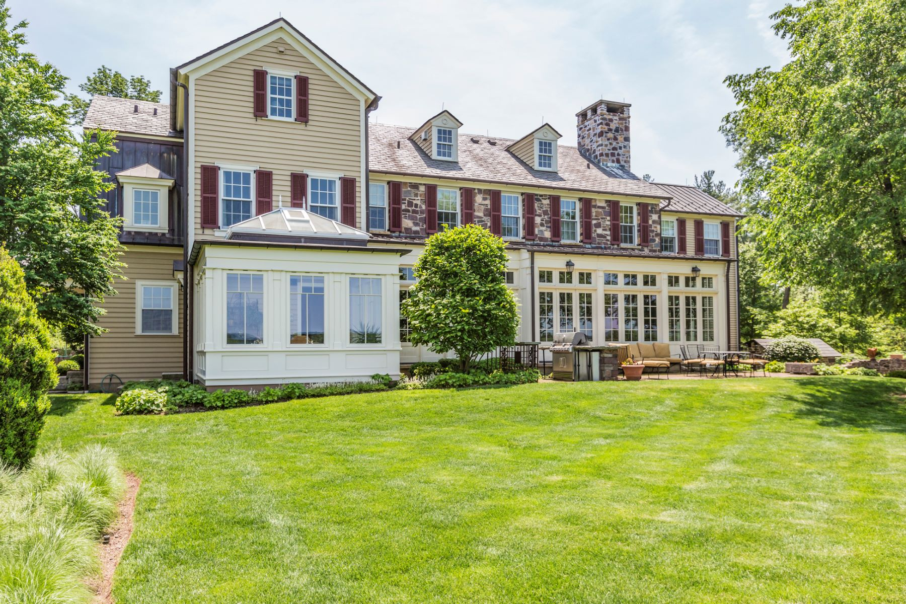 Additional photo for property listing at An Unrivaled Offering Just Outside Princeton 1459 Great Road, Skillman, New Jersey 08558 United States