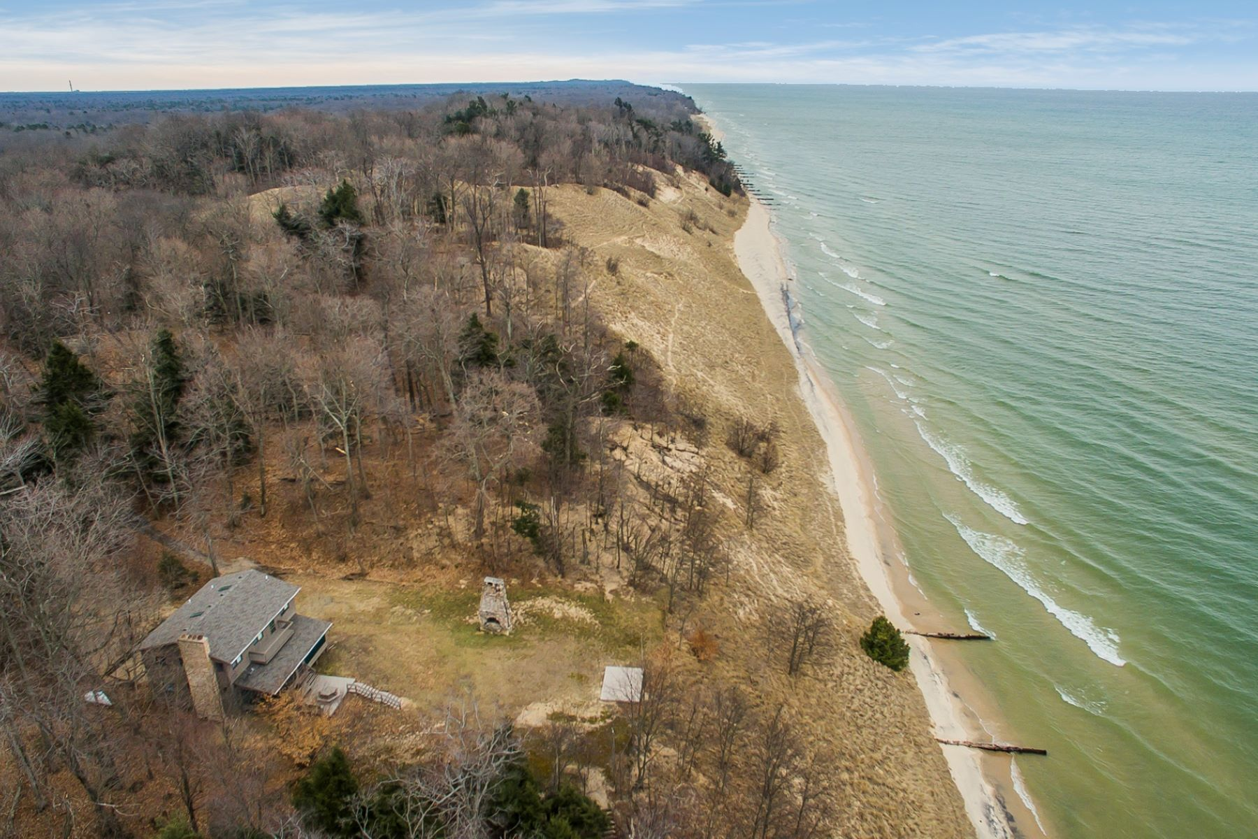 Single Family Homes for Active at Incomparable Lake Michigan Oasis 4309 N Scenic Drive Whitehall, Michigan 49461 United States