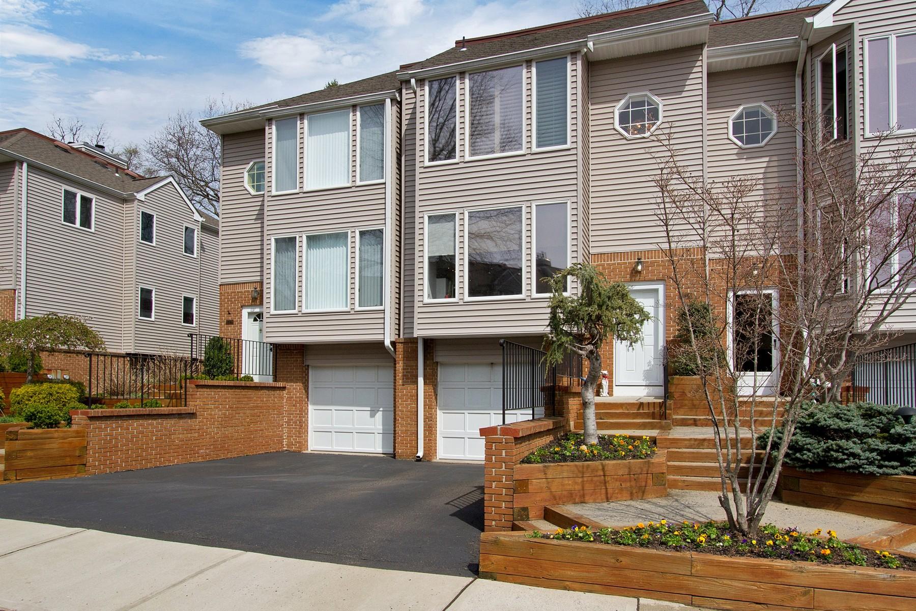 Кондоминиум для того Продажа на Elkridge 160 Ambassador DRive Red Bank, Нью-Джерси 07701 Соединенные Штаты