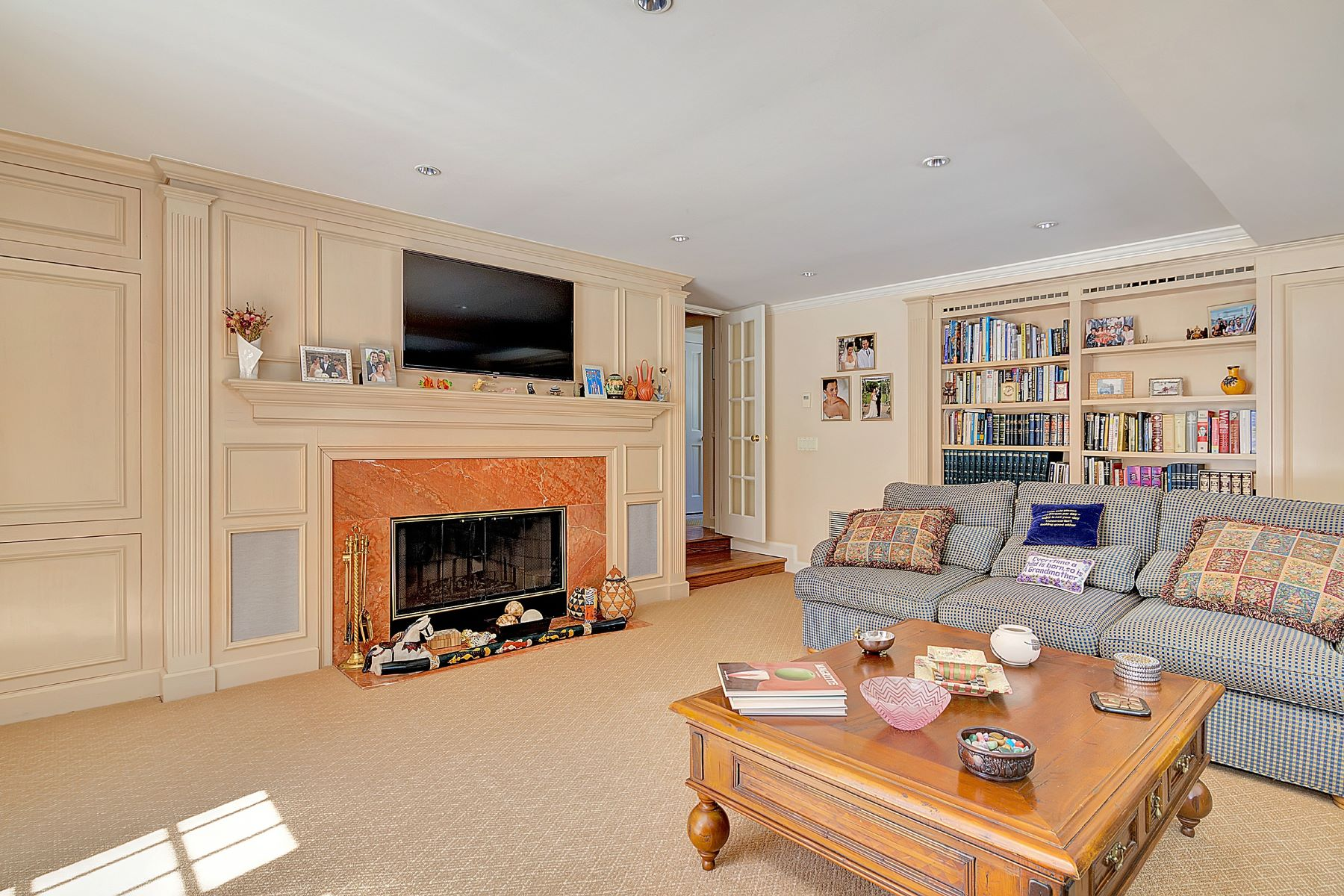 Частный односемейный дом для того Продажа на Spectacular Estate 191 S Woodland, Englewood, Нью-Джерси 07631 Соединенные Штаты