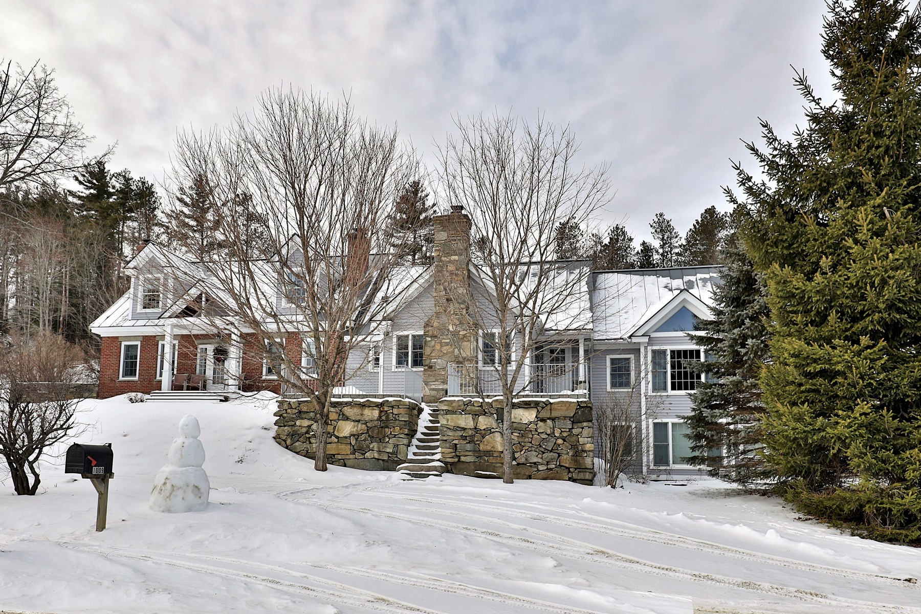 Single Family Homes for Sale at 1009 Middletown Road, Grafton 1009 Middletown Rd Grafton, Vermont 05146 United States