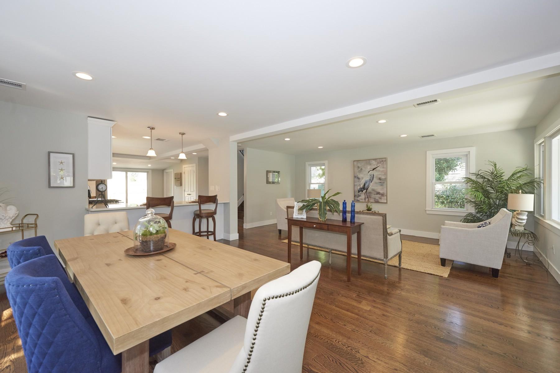 Single Family Homes för Försäljning vid Not Just A Renovated Home But A Lifestyle 121 Mabel Ave., Middletown, New Jersey 07748 Förenta staterna