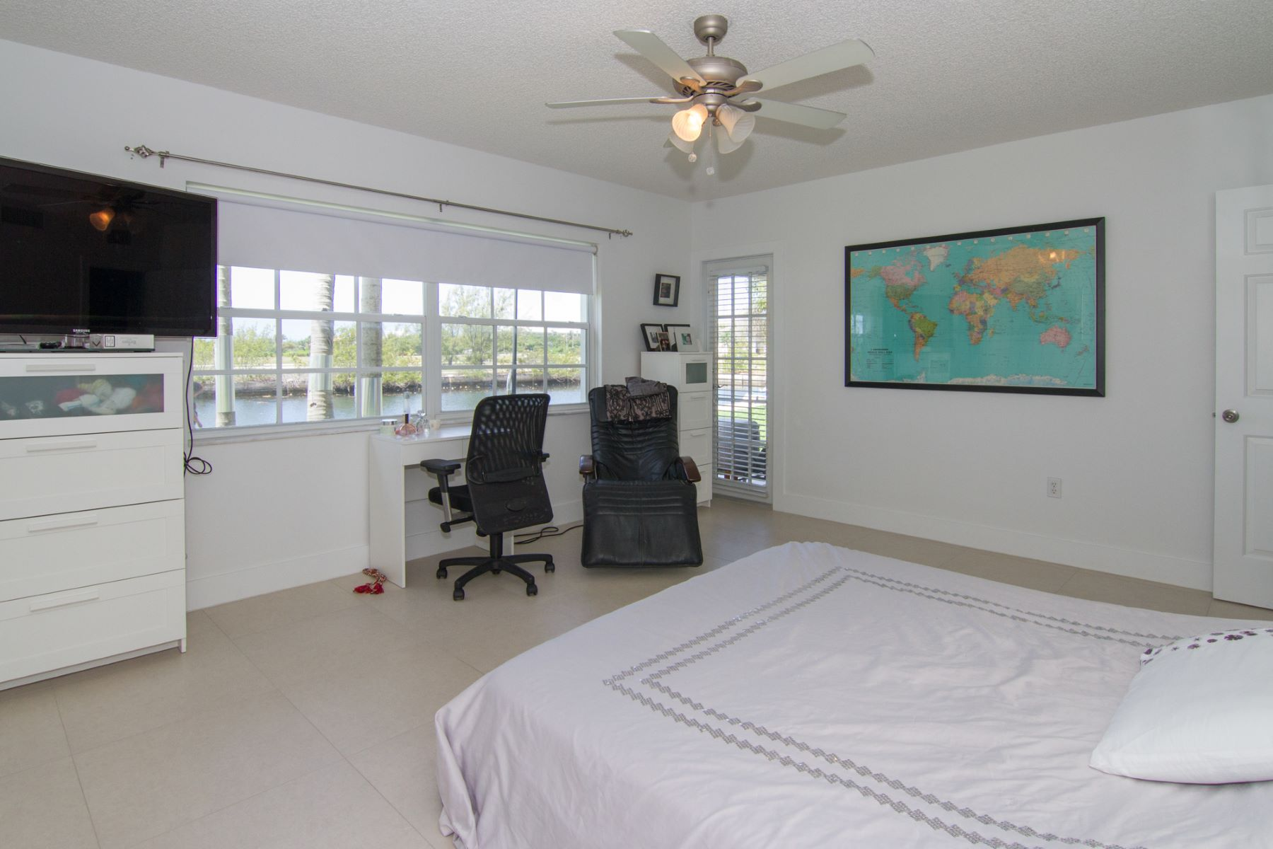 Additional photo for property listing at Waterways Canalfront Governors Harbour,  Cayman Islands