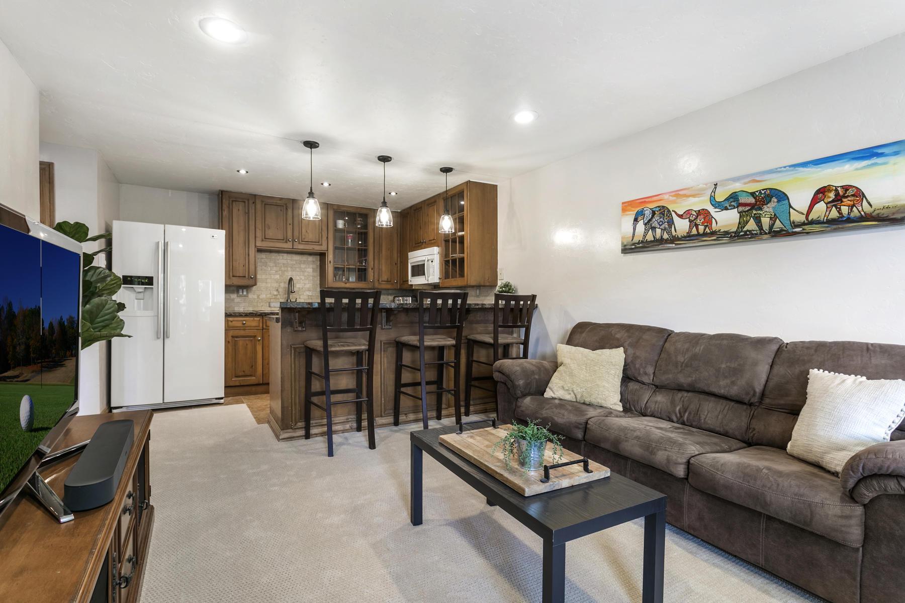 Condominiums للـ Sale في Sherwood Meadows #2-E 371 Nottingham Road #2-E, Avon, Colorado 81620 United States
