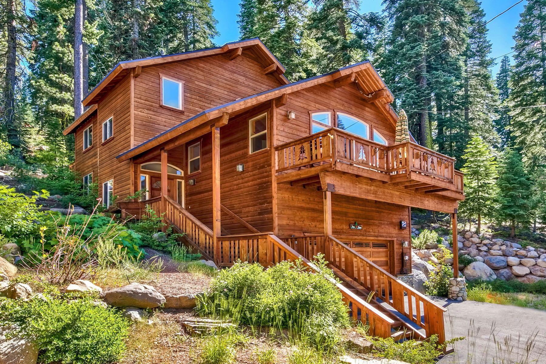Single Family Homes por un Venta en 14065 Hansel Avenue, Truckee, CA 96161 14065 Hansel Avenue Truckee, California 96161 Estados Unidos
