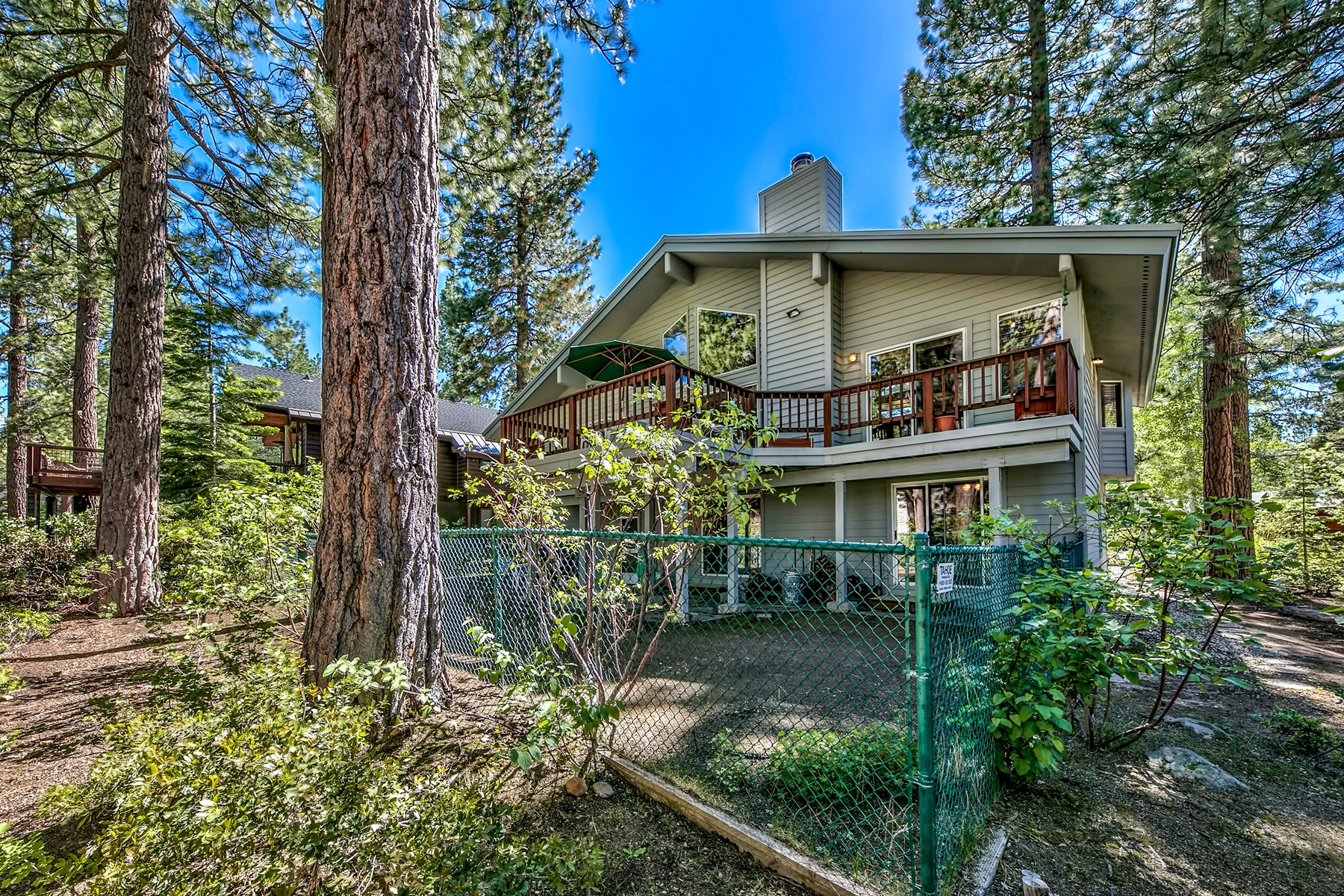 Additional photo for property listing at 166 Roundridge Rd. Tahoe City, Ca 96145 166 Roundridge Rd. Tahoe City, California 96145 United States
