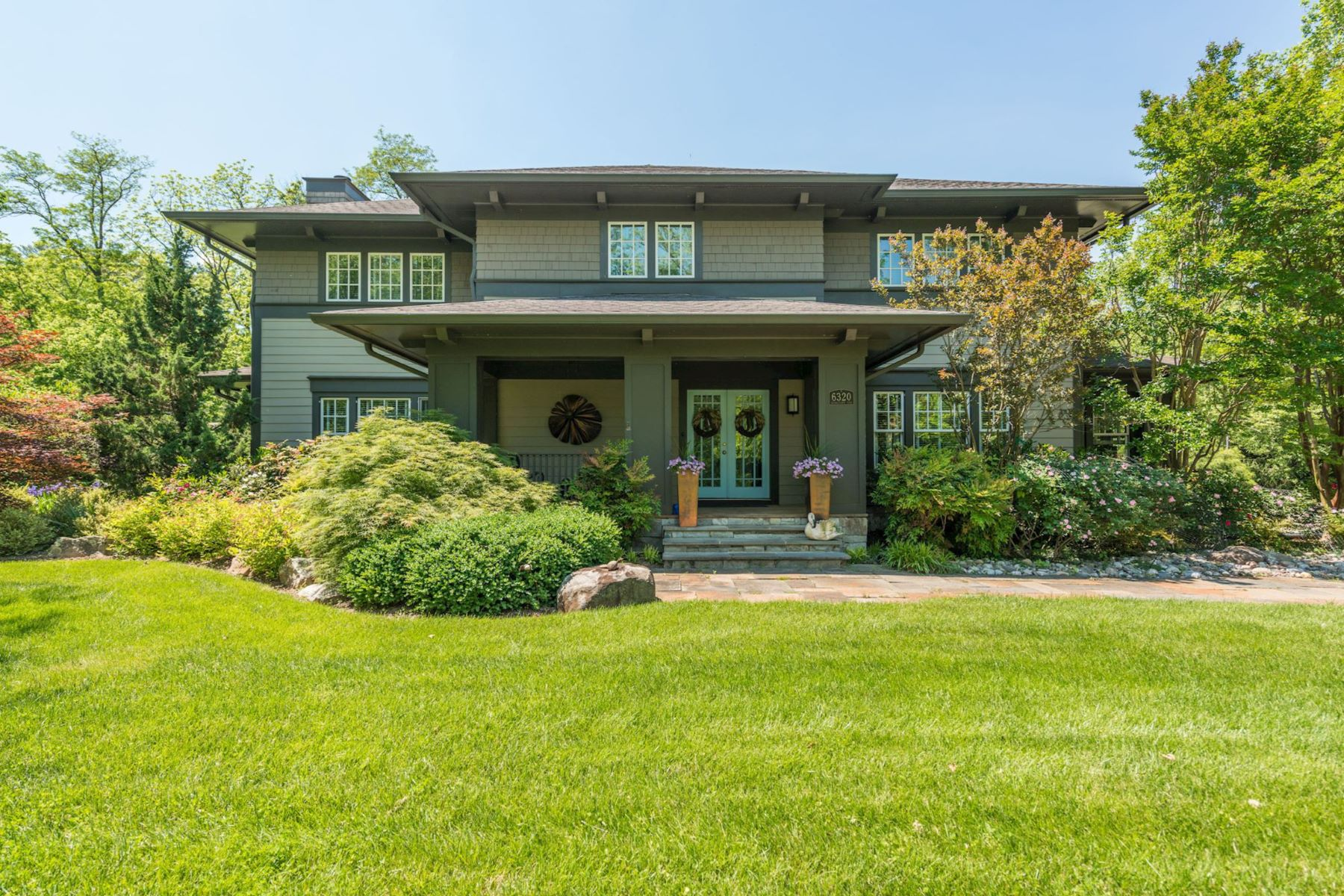 Single Family Home for Sale at 6320 Georgetown Pike 6320 Georgetown Pike McLean, Virginia 22101 United States