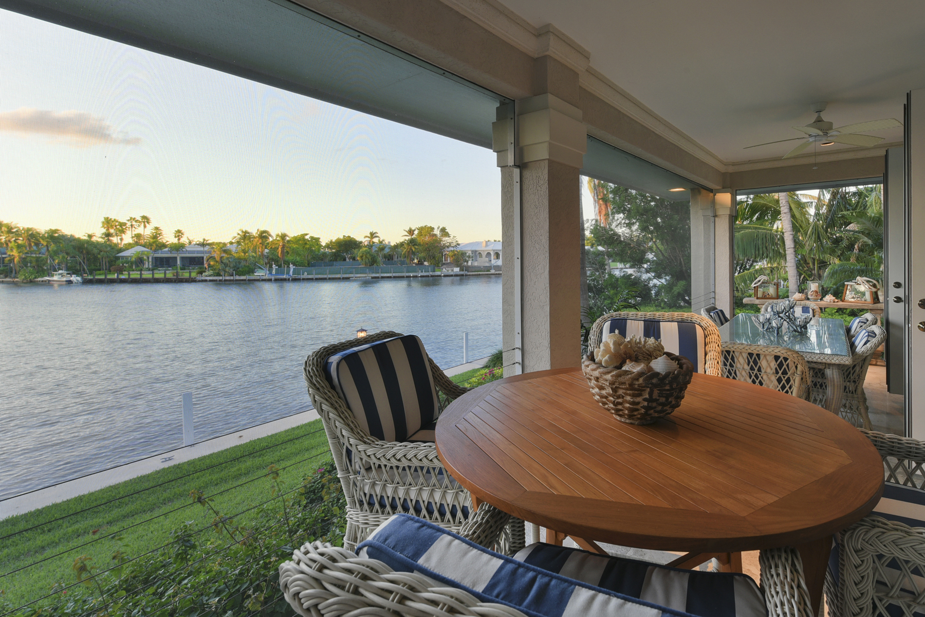 Additional photo for property listing at Island Style Waterfront Home at Ocean Reef 9 Bay Ridge Road Key Largo, 佛羅里達州 33037 美國