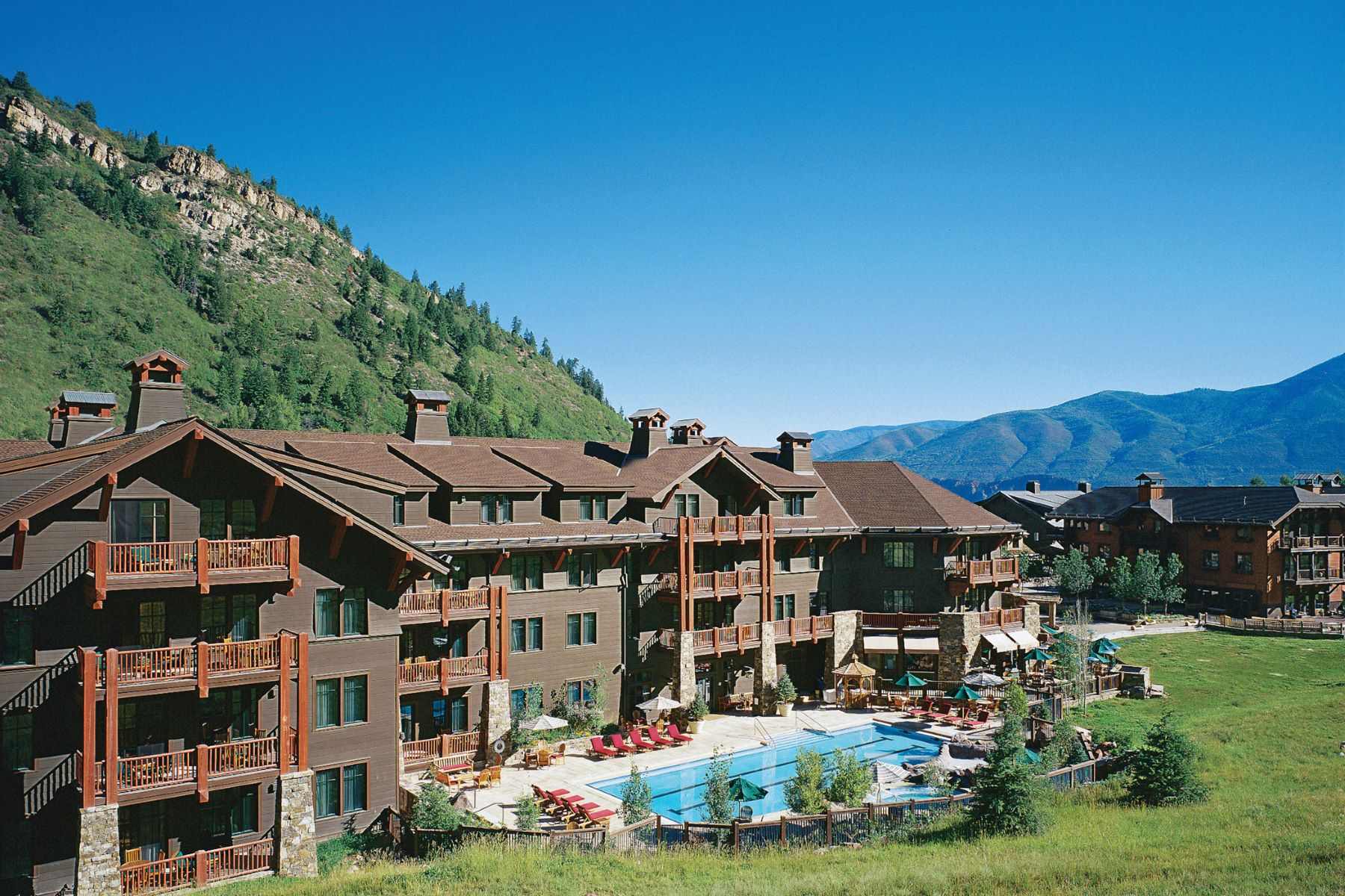 Fractional Ownership Properties por un Venta en Three Bedroom Ritz Carlton Interest #12 0075 Prospector Road Unit 8214 Summer Interest #12 Aspen, Colorado 81611 Estados Unidos