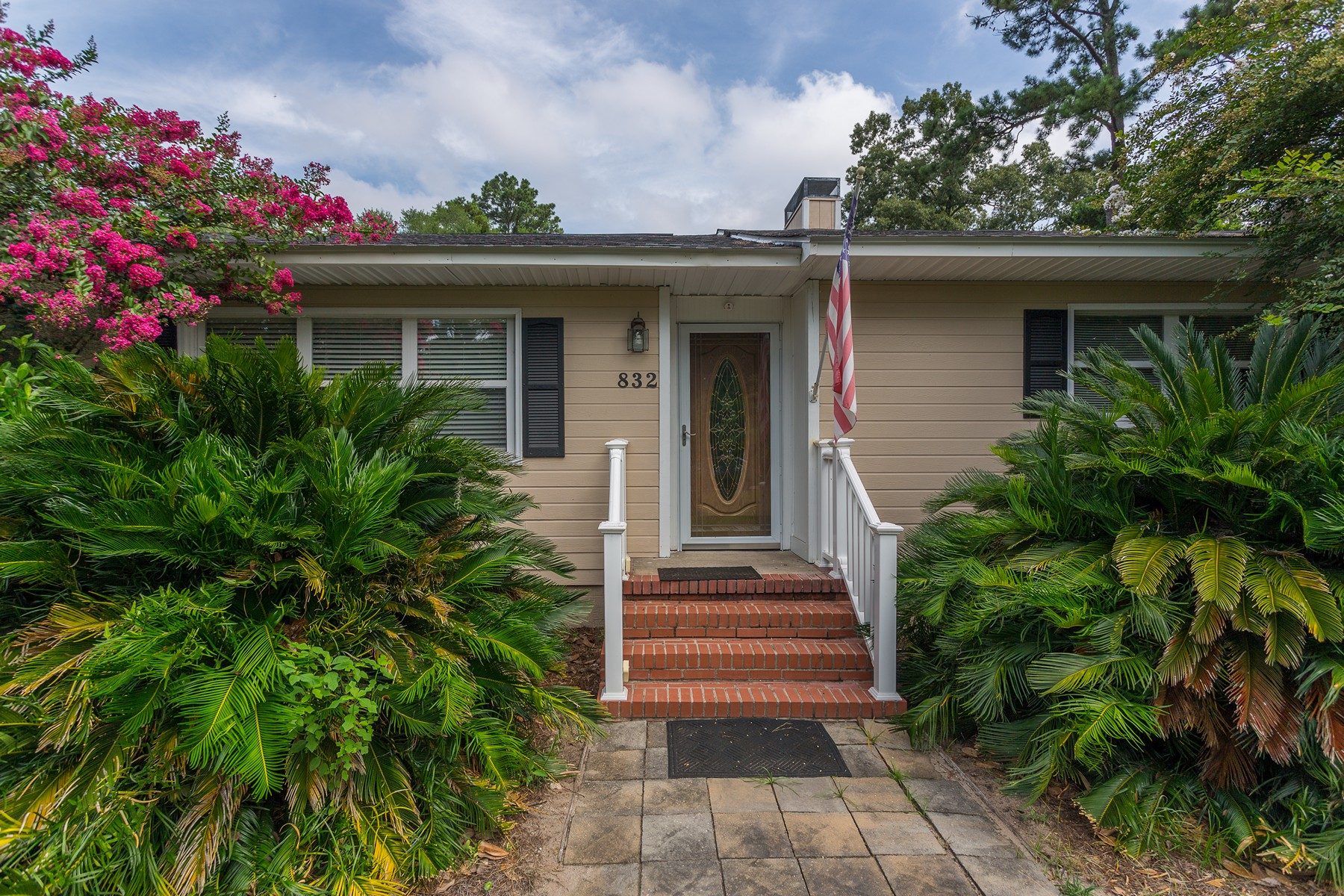 Single Family Homes for Active at 832 Crispen Blvd Brunswick, Georgia 31523 United States